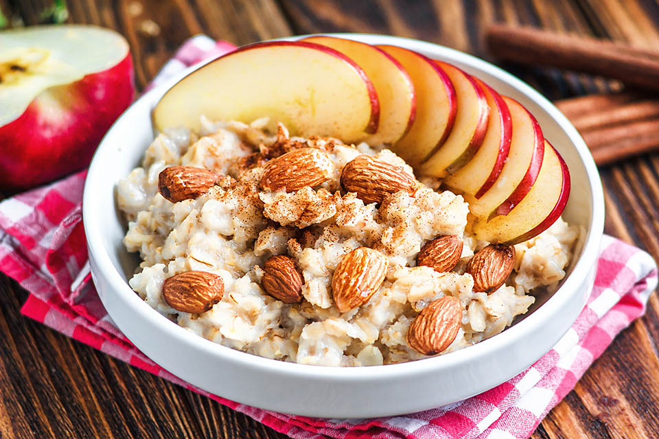 Oatmeal and Overnight Oats make a very easy breakfast