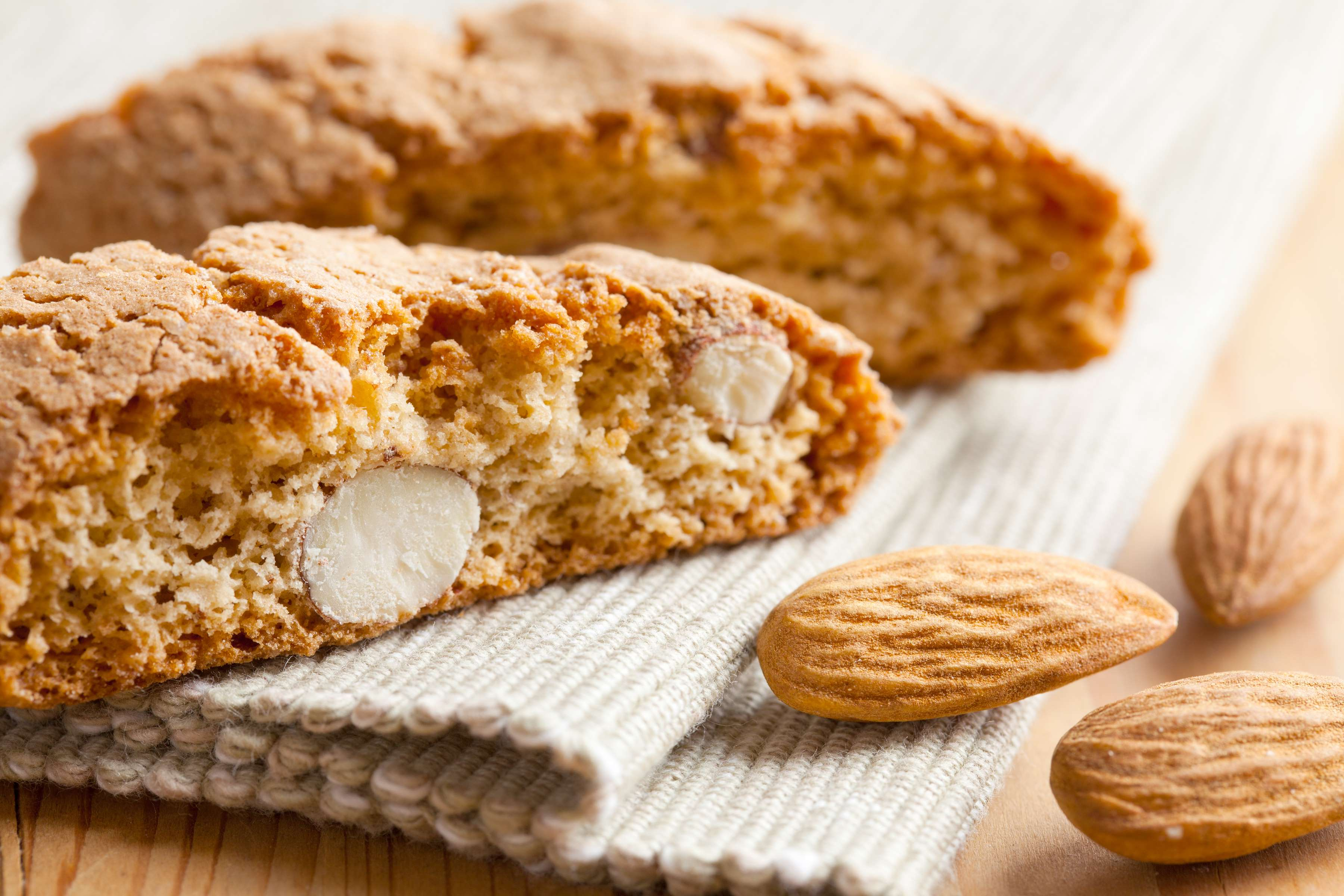 Almond Biscotti Recipe | RecipeSavants.com