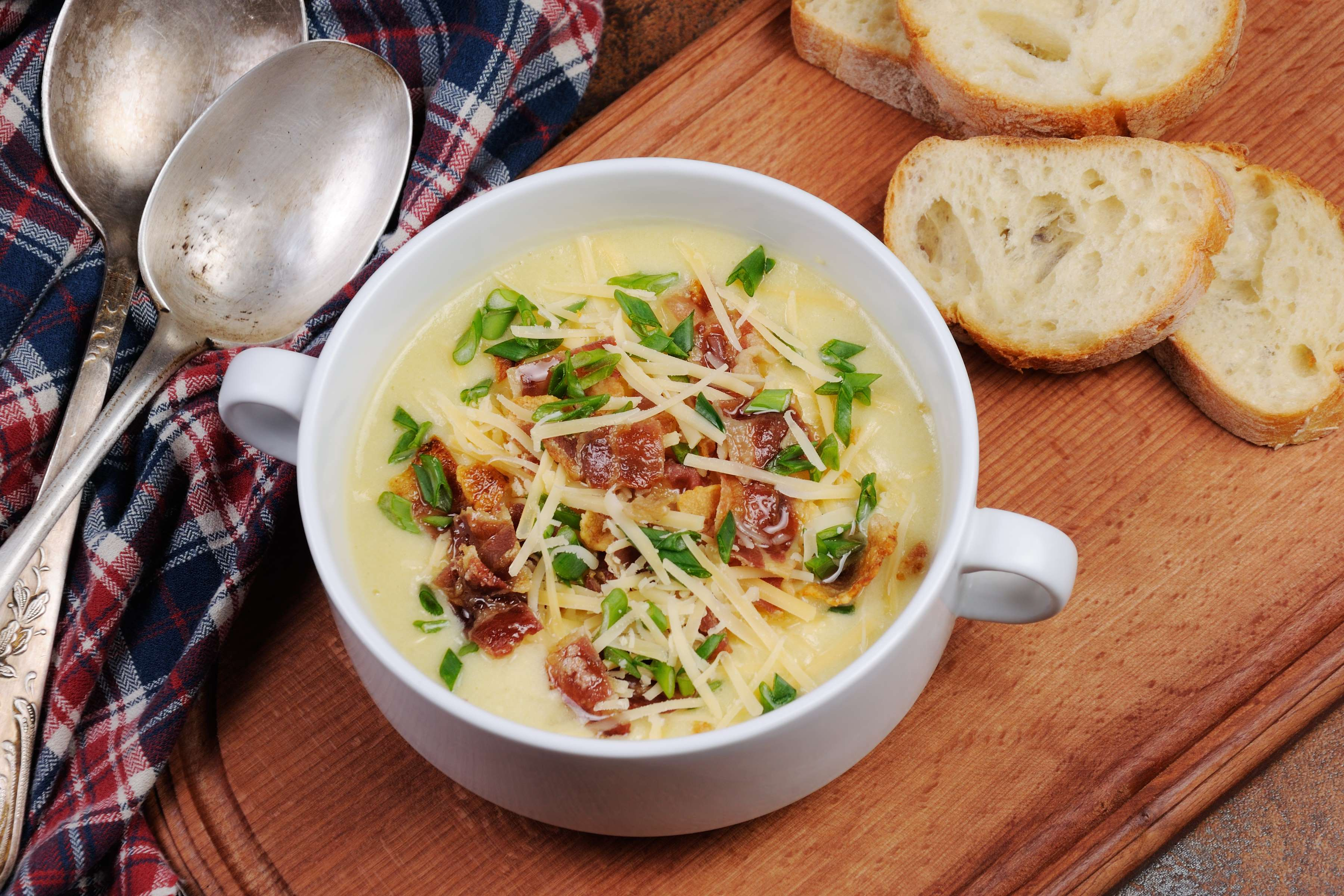 Oktoberfest Apple and Cheese Soup Recipe | CHEFBear.net