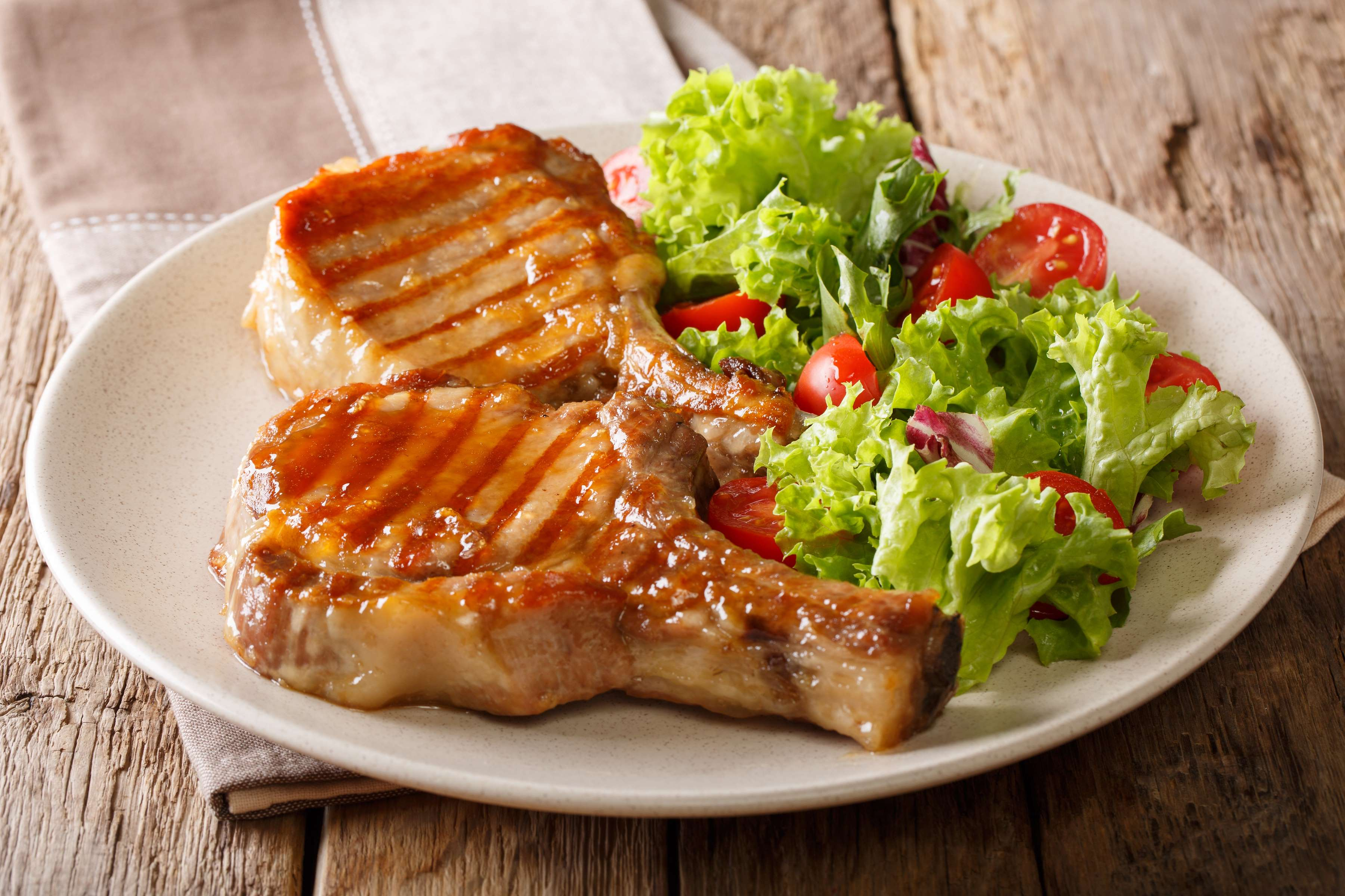 Pork Chops With Apple Glaze Recipe | RecipeSavants.com