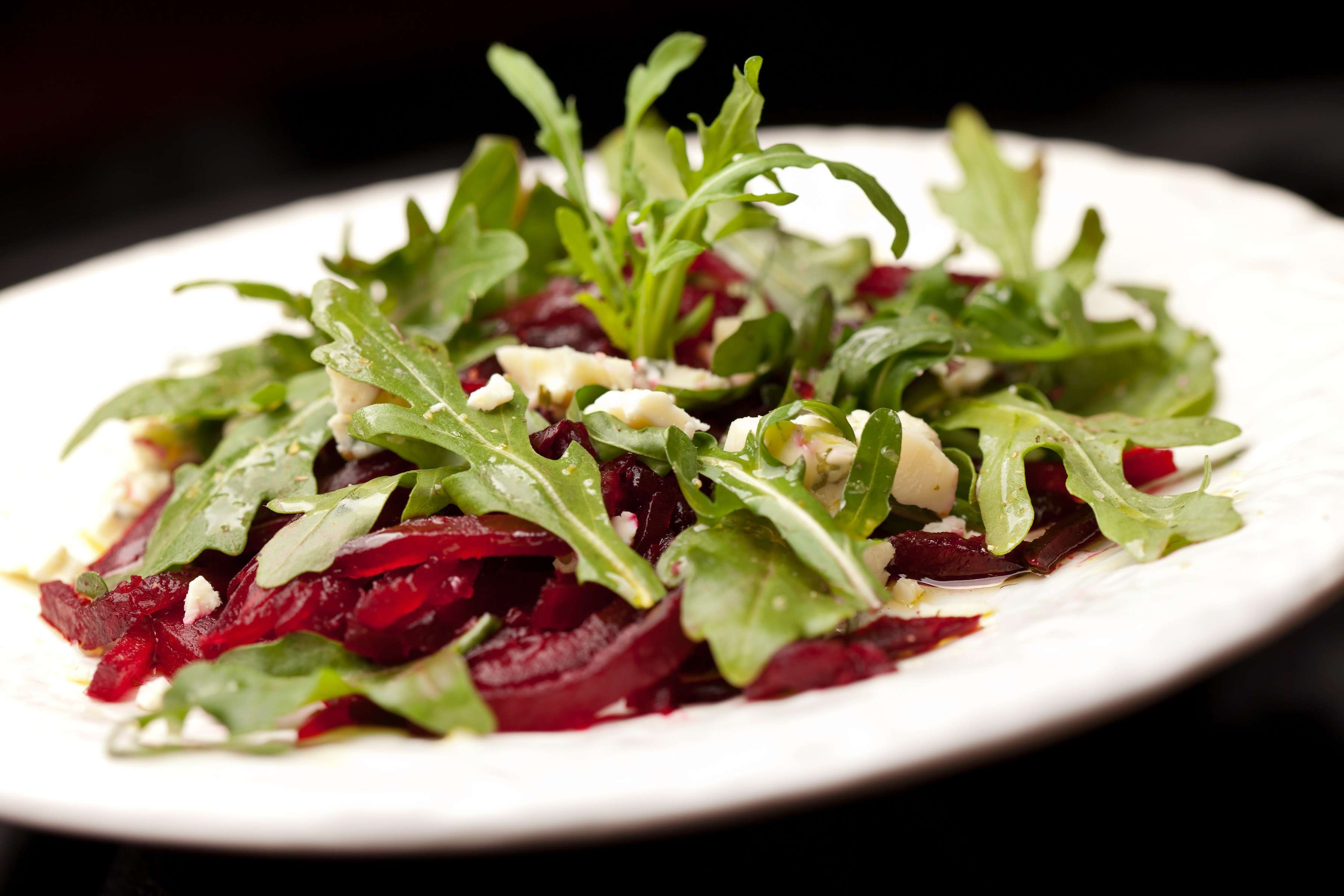 Arugula And Roasted Beets Salad Recipe | RecipeSavants.com