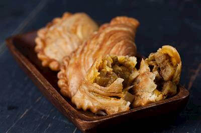Baked Mild Chicken Curry Puffs Recipe