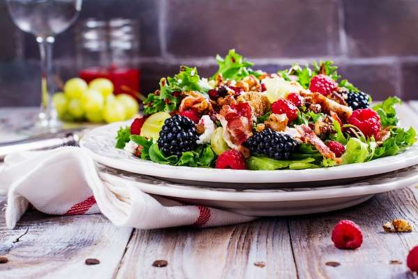Berry Cheesy Salad Recipe