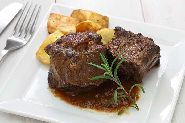Orginal Recipe For Braised Oxtails - easy American recipe easy Beef recipe