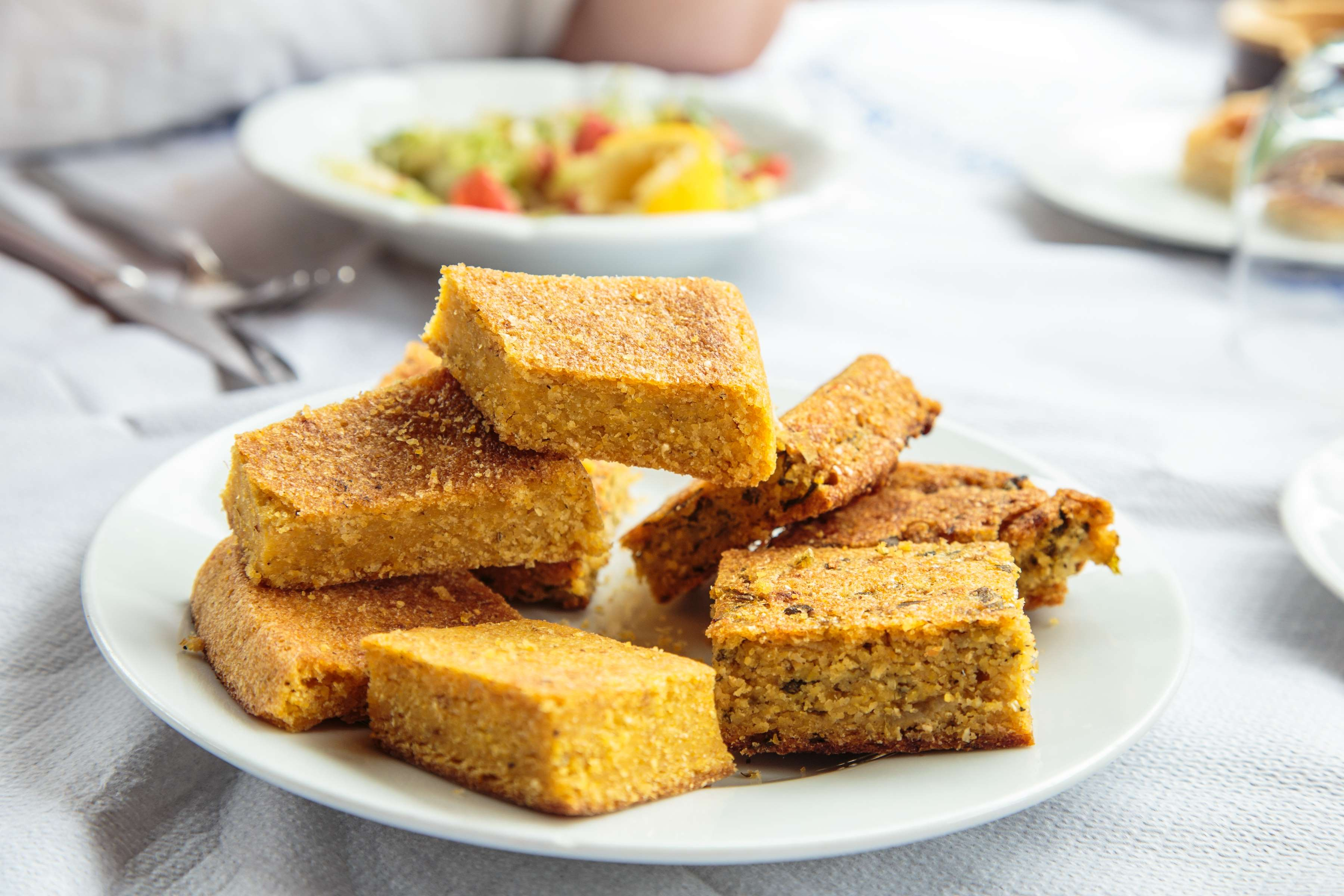 Buttermilk Cornbread Recipe | RecipeSavants.com