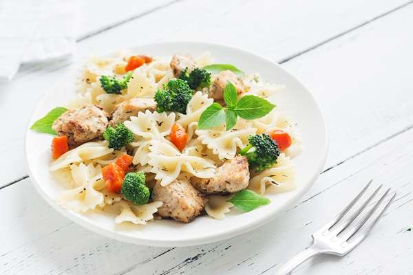 RecipeSavants - Chicken Pasta Salad