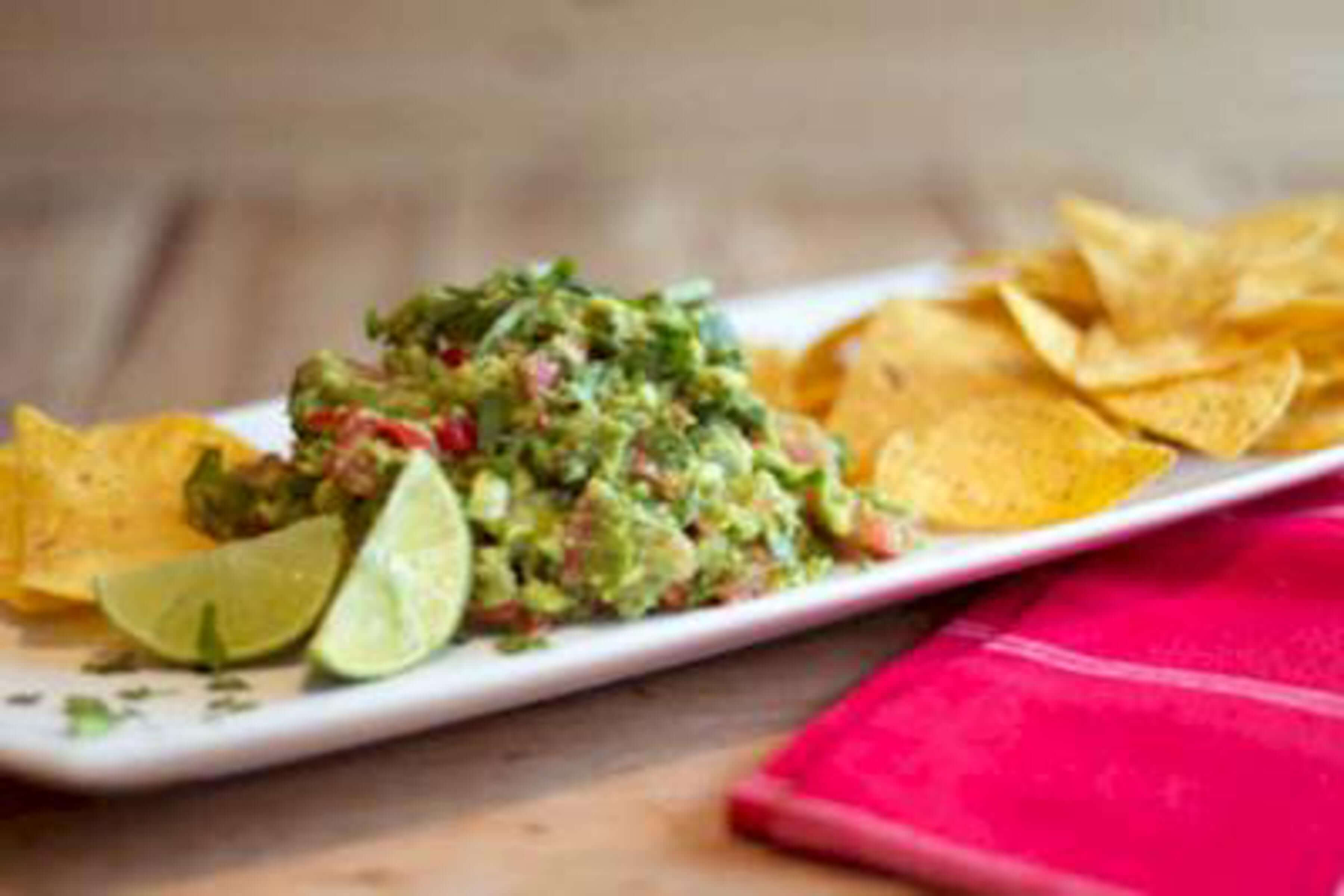 Chunky Guacamole Recipe | RecipeSavants.com