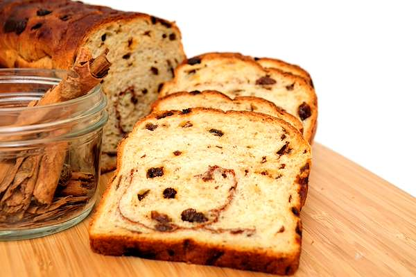Cinnamon Raisin Swirl Bread Recipe