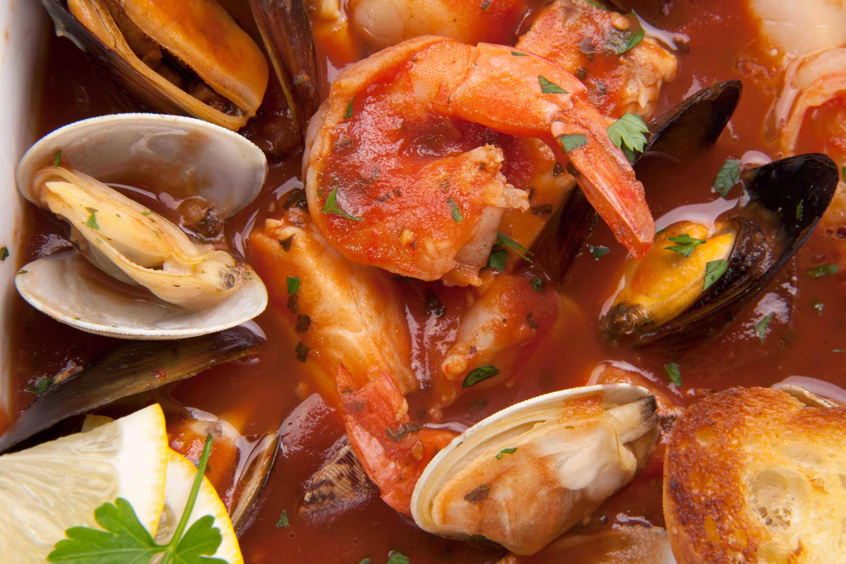 Cioppino Recipe | RecipeSavants.com