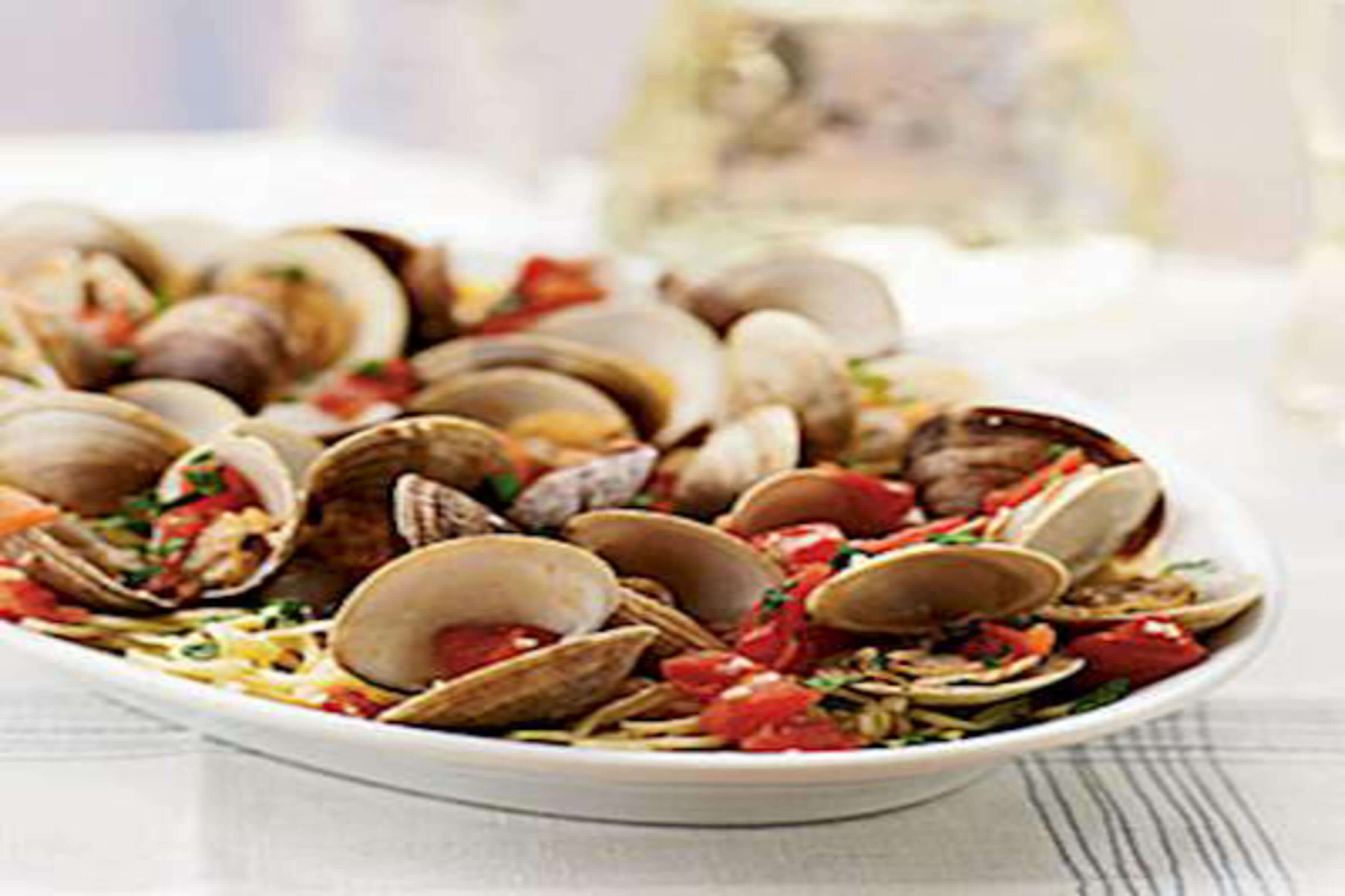 Clams With Angel Hair Pasta Recipe | RecipeSavants.com
