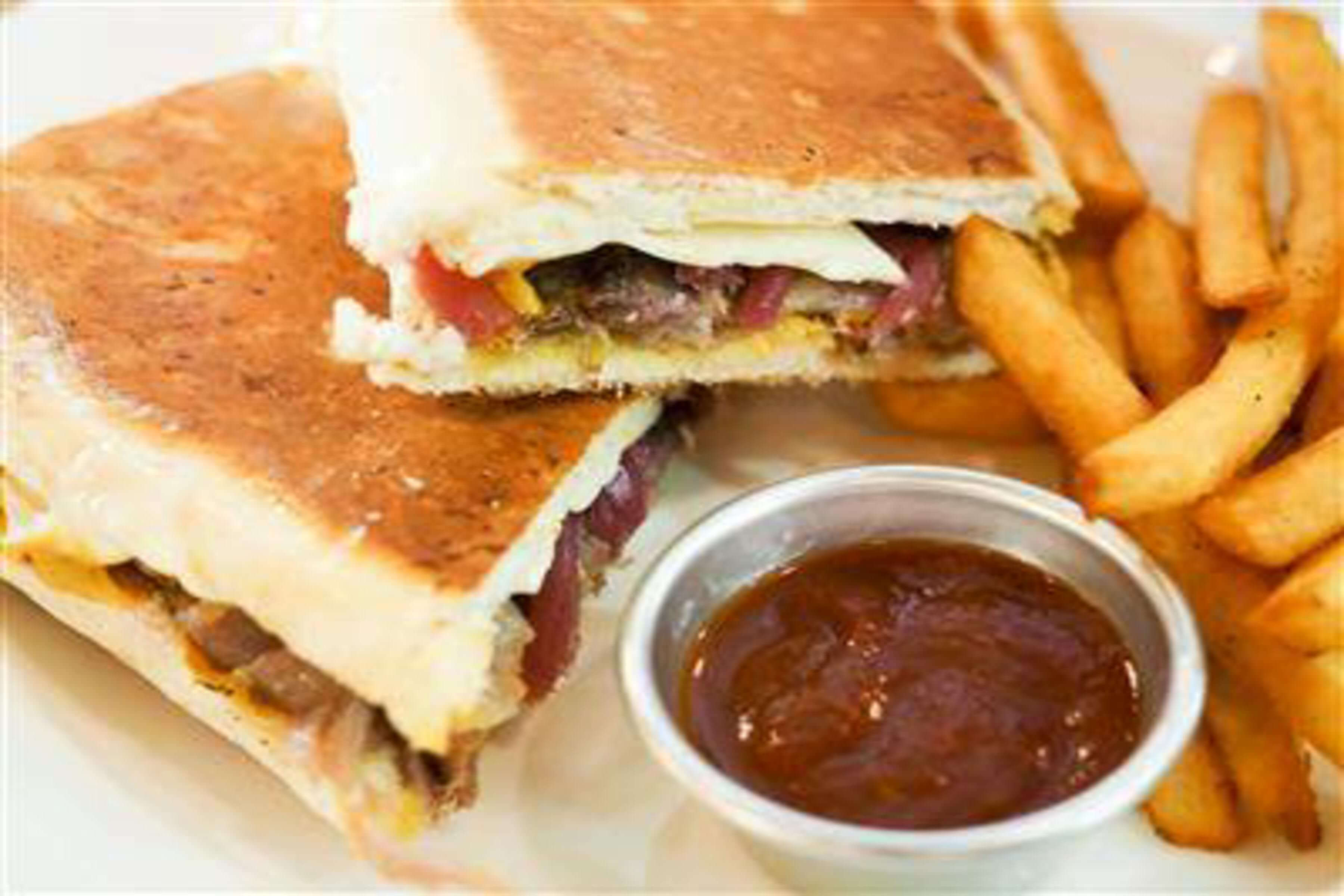 Classic Cuban Sandwich Recipe | RecipeSavants.com