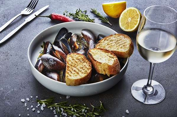 ChefBear Complete Meals - classic wine & garlic mussels