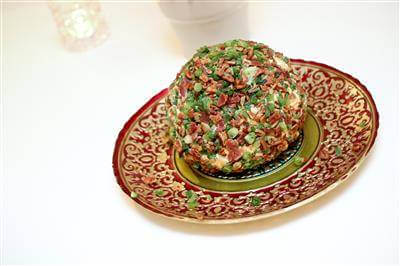 Recipe For Easy Cheese Ball With Cream Cheese, Bacon and Green Onion