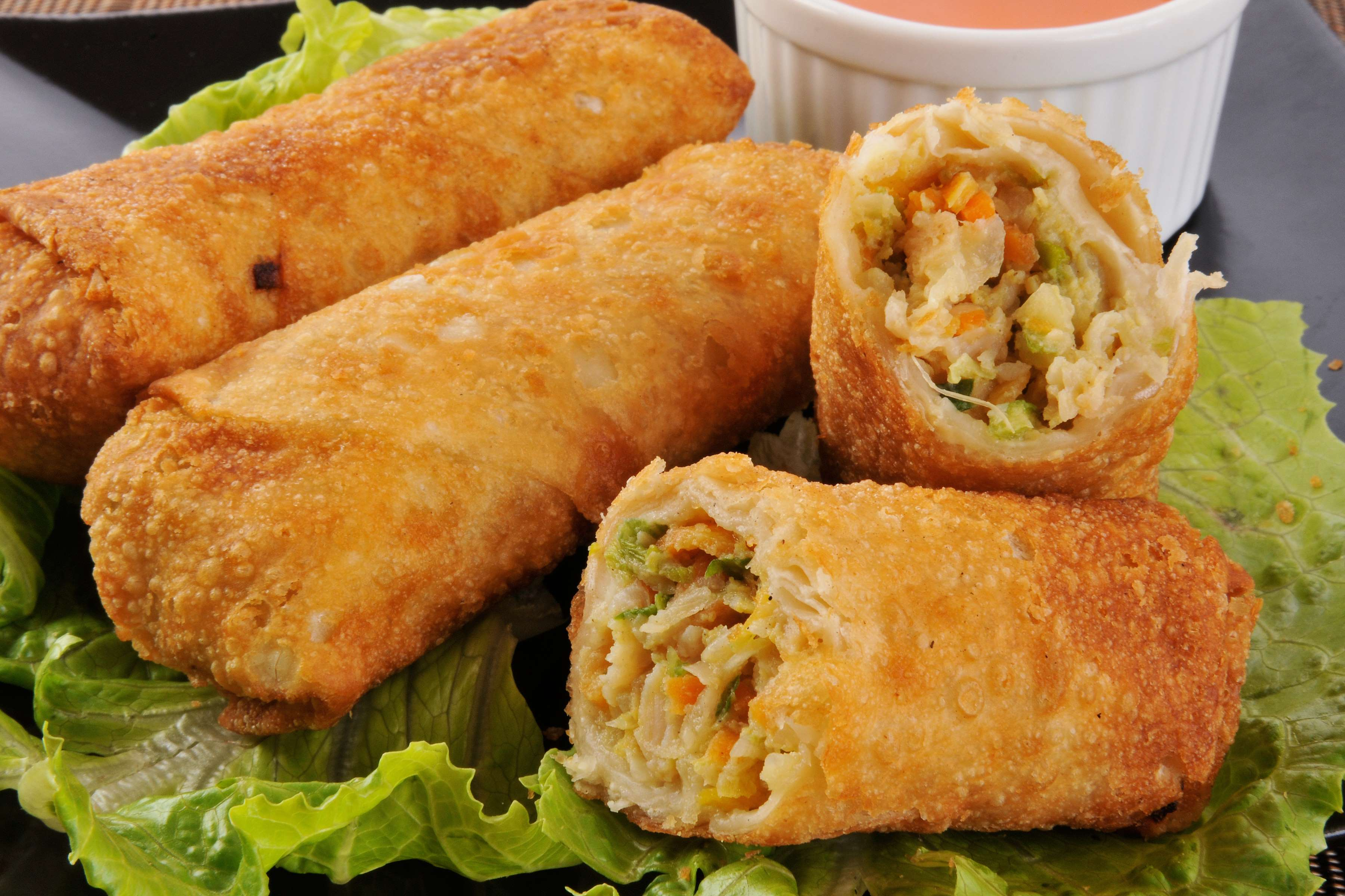 Easy Egg Rolls Recipe | RecipeSavants.com