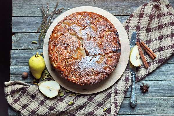 RecipeSavants - Easy Pear Cake