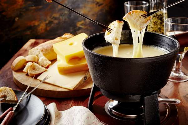 Foolproof Cheese Fondue Recipe