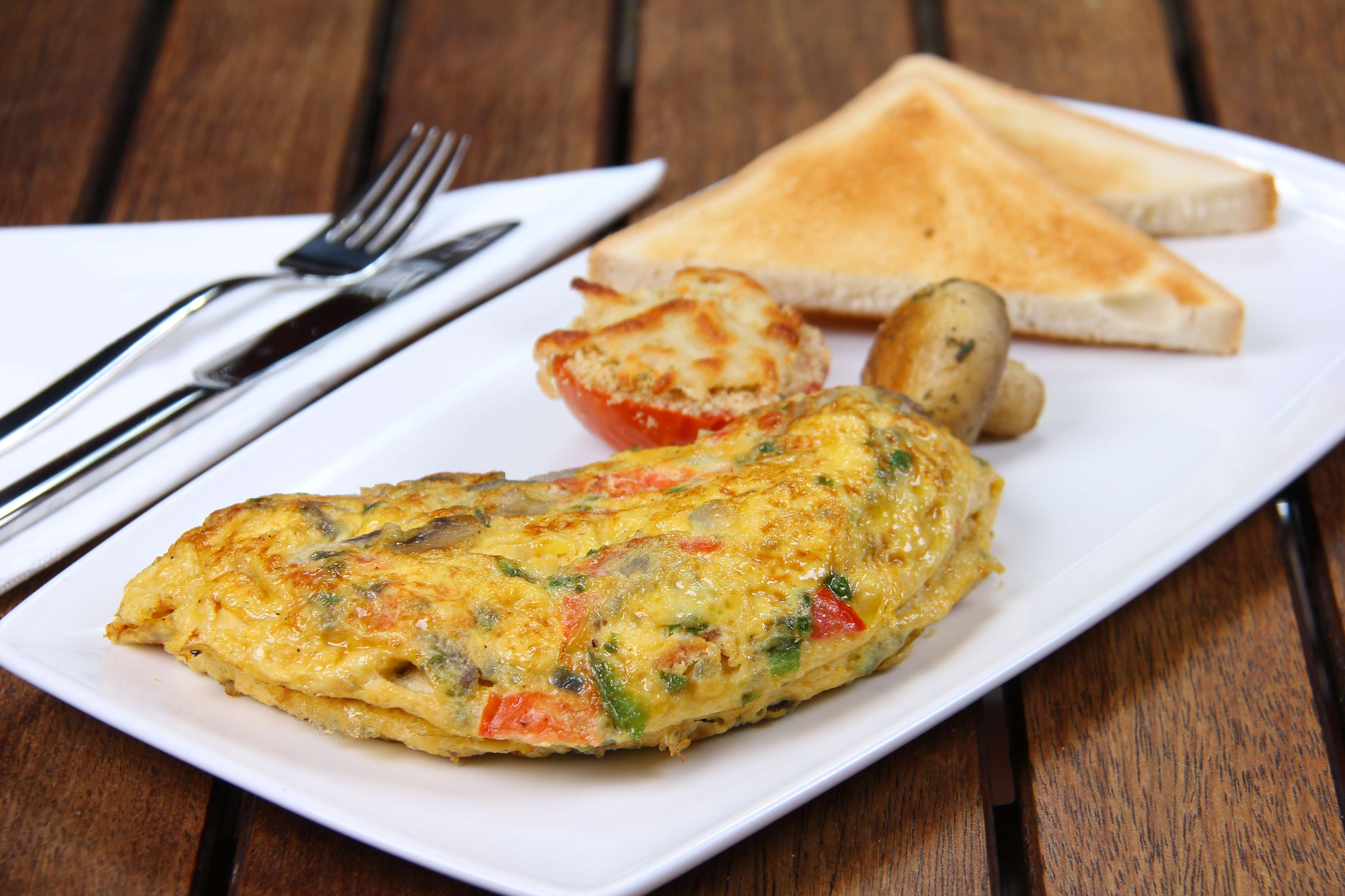 Gorgonzola And Veggie Omelet Recipe | RecipeSavants.com