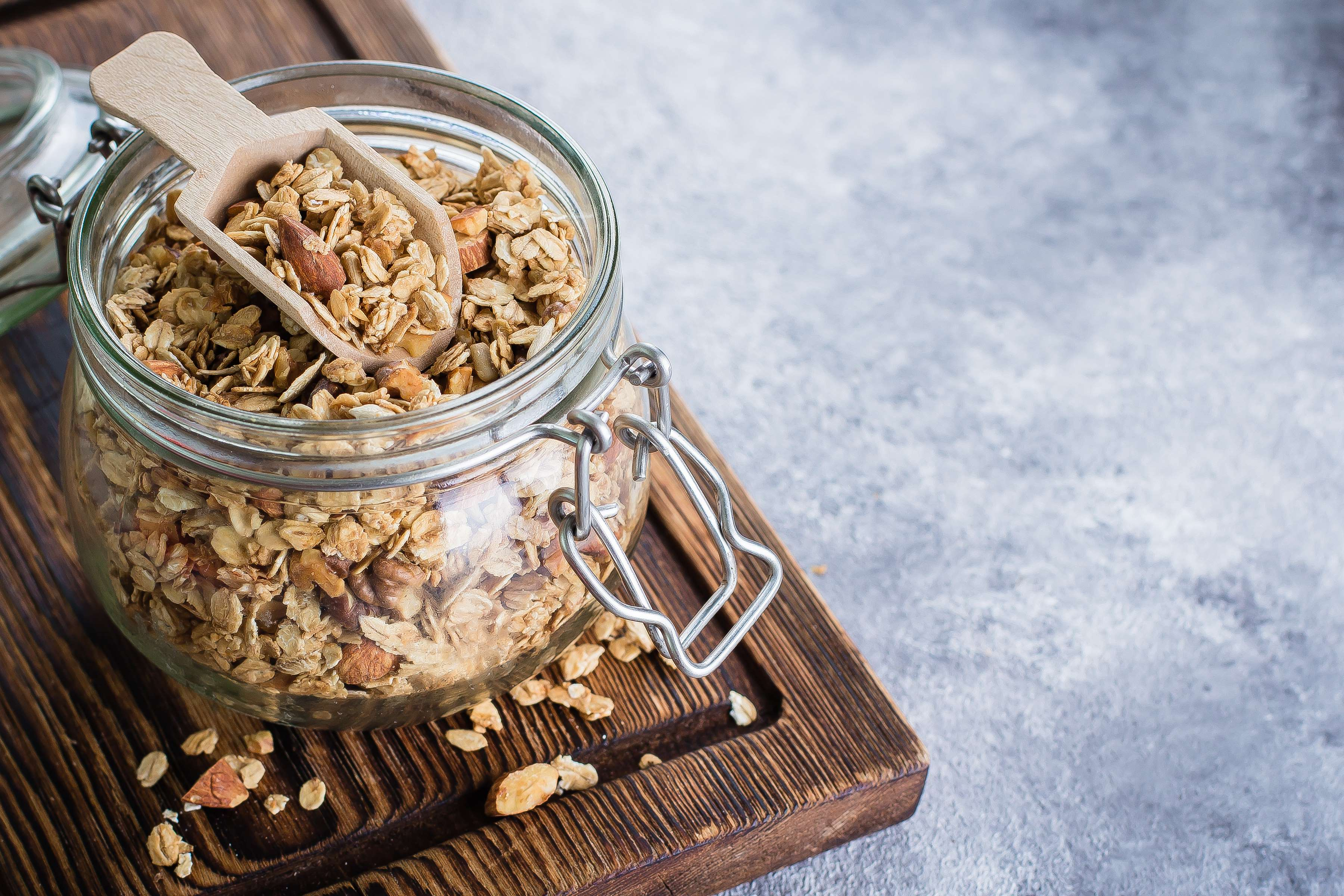 Granola Trail Mix Recipe | RecipeSavants.com