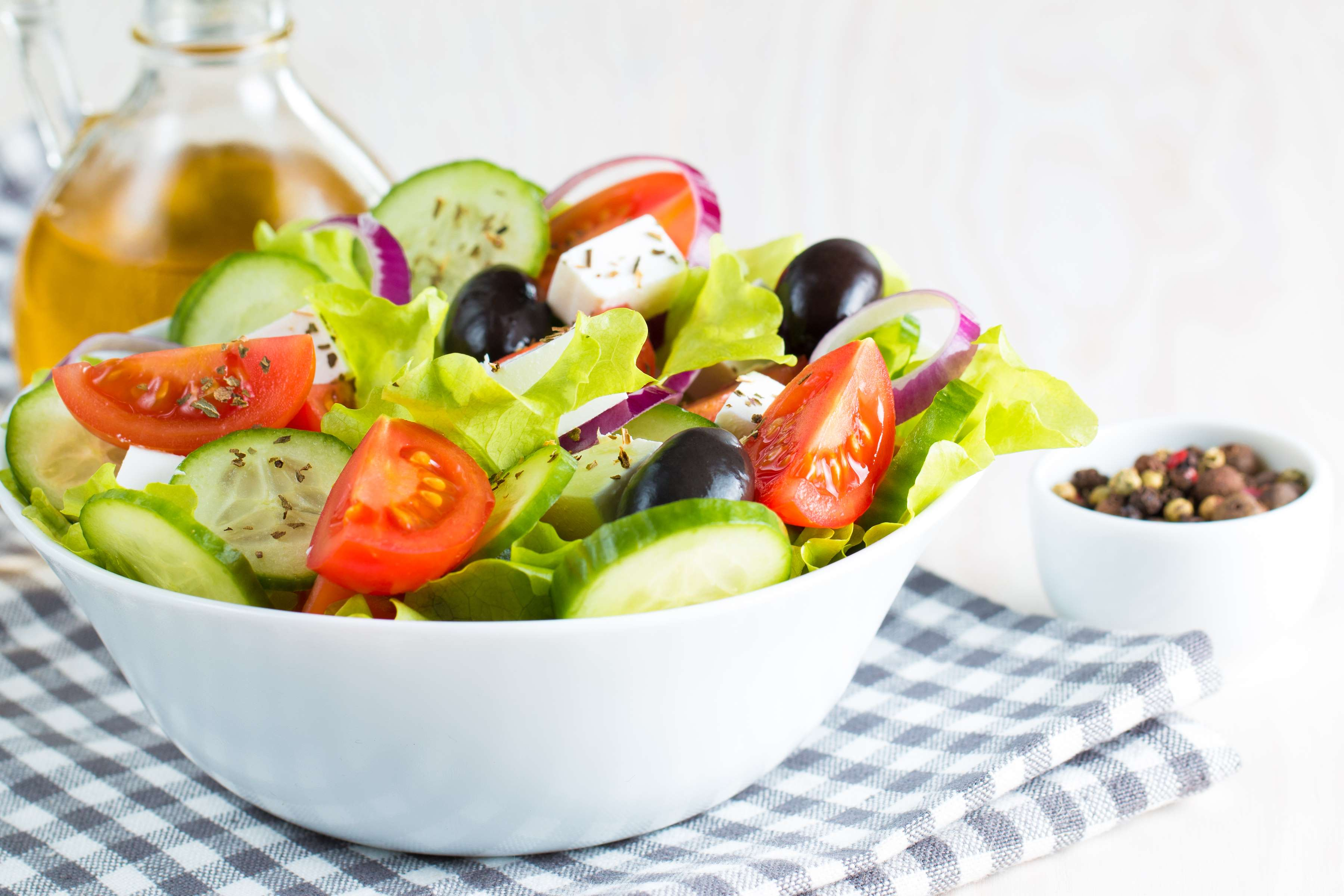 Greek Salad Recipe | RecipeSavants.com