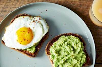 Guacamole & Egg Sandwich Recipe