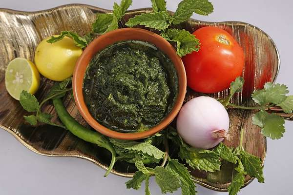 Homemade Punjabi Green Chutney Recipe