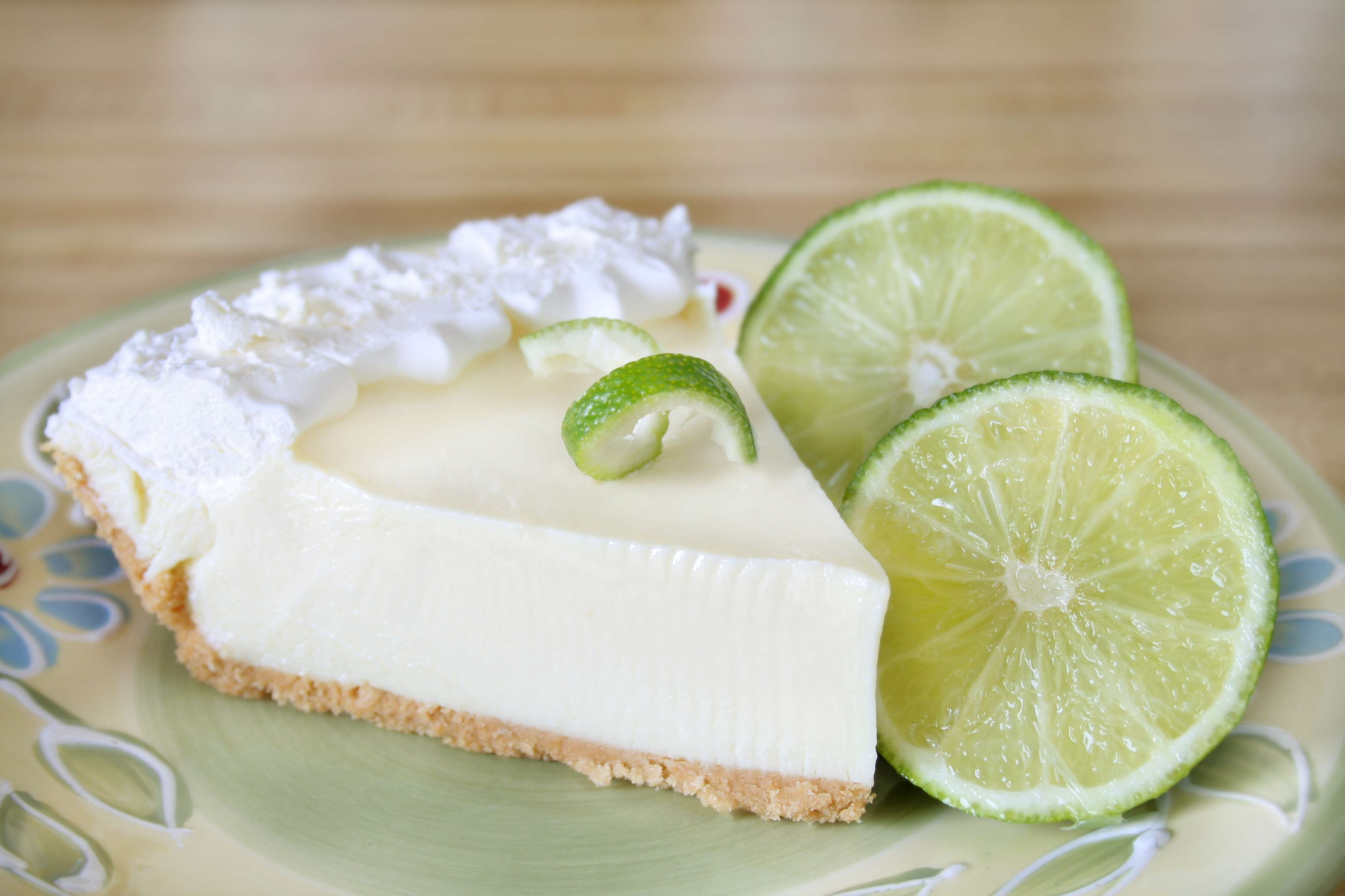 Key Lime Pie Recipe | RecipeSavants.com