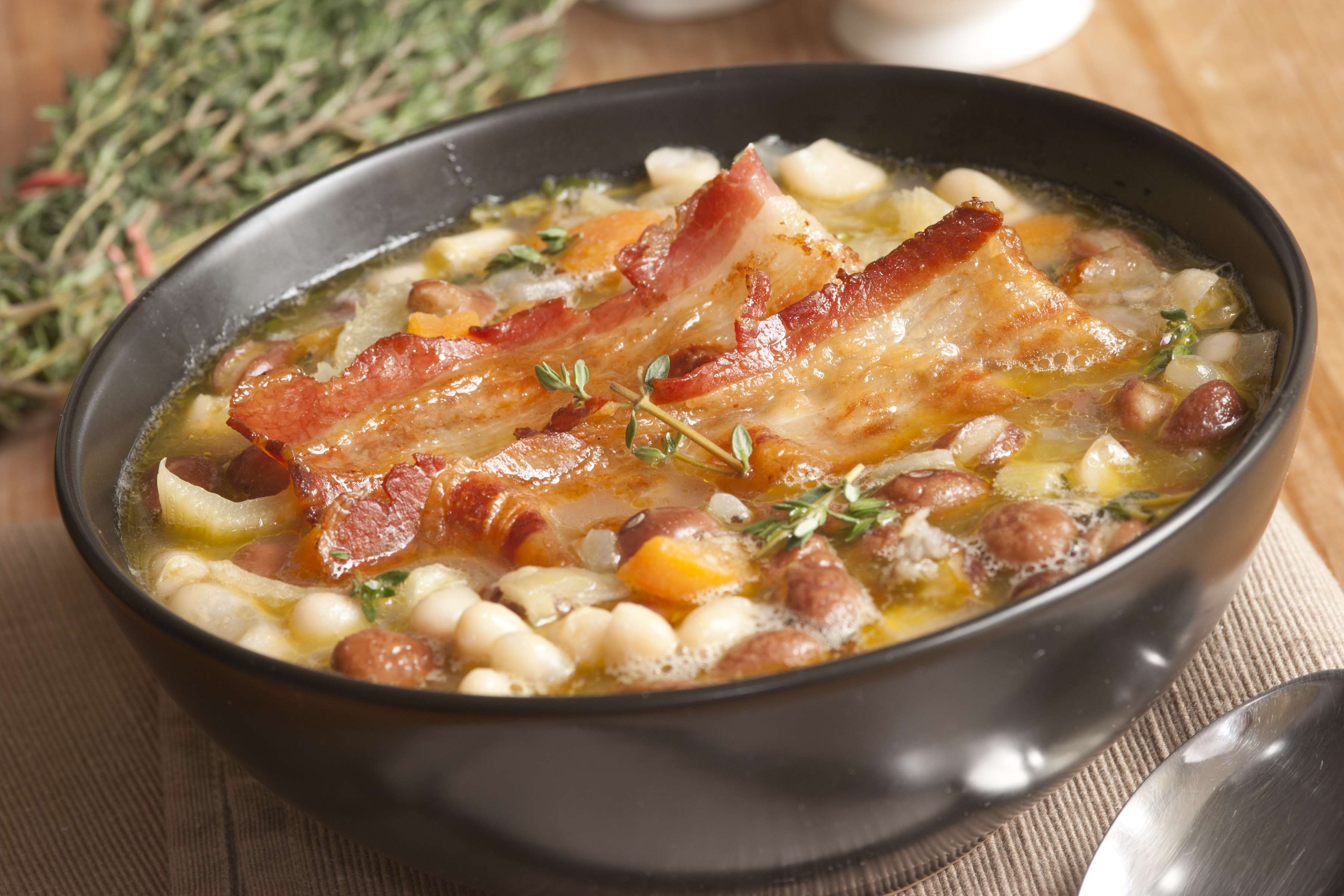 Mexican Bean And Bacon Soup Recipe | RecipeSavants.com