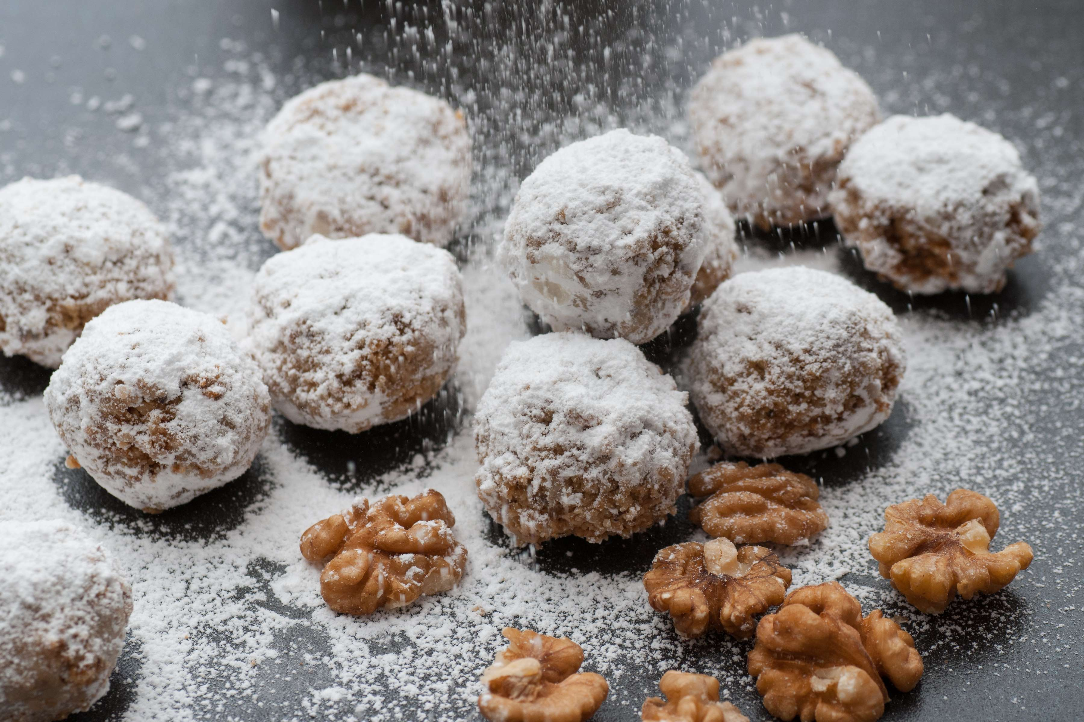 Old-Fashioned Snowball Cookies Recipe