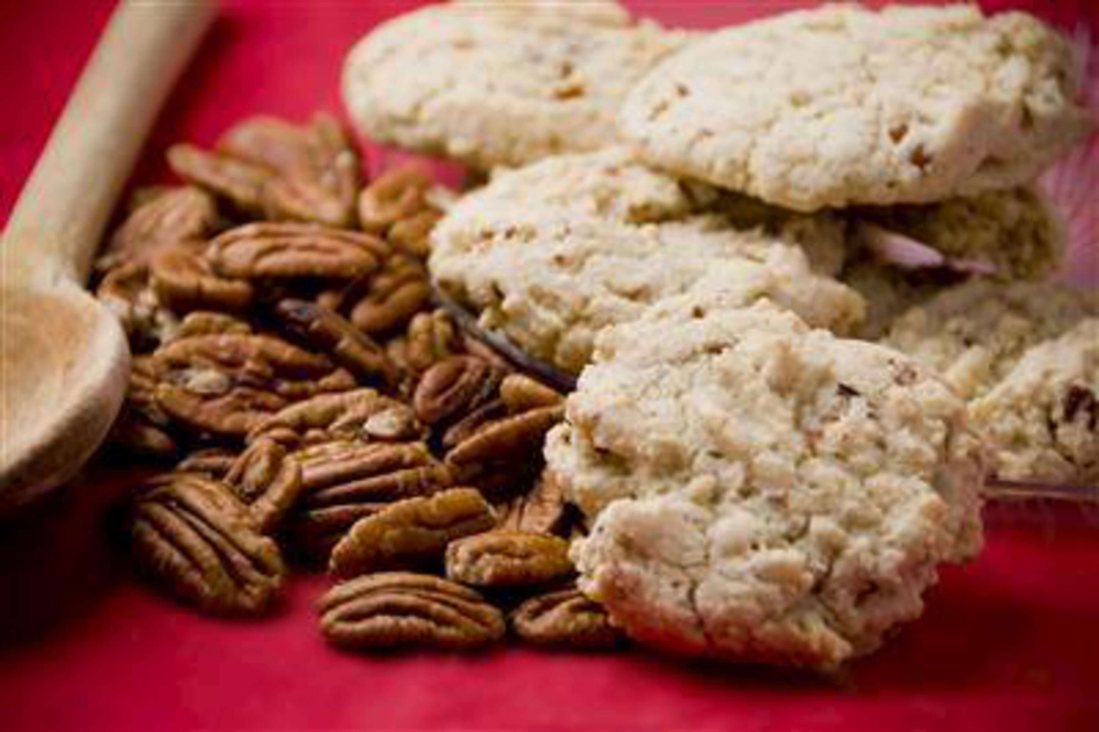 Pecan Sandie Cookies Recipe | RecipeSavants.com