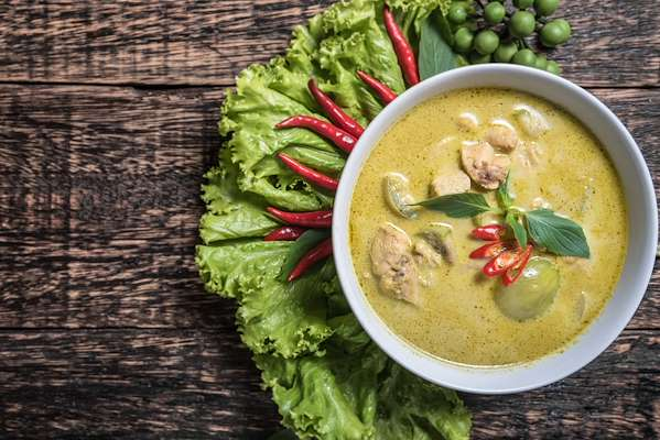 Pressure Cooker Green Chicken Curry Recipe
