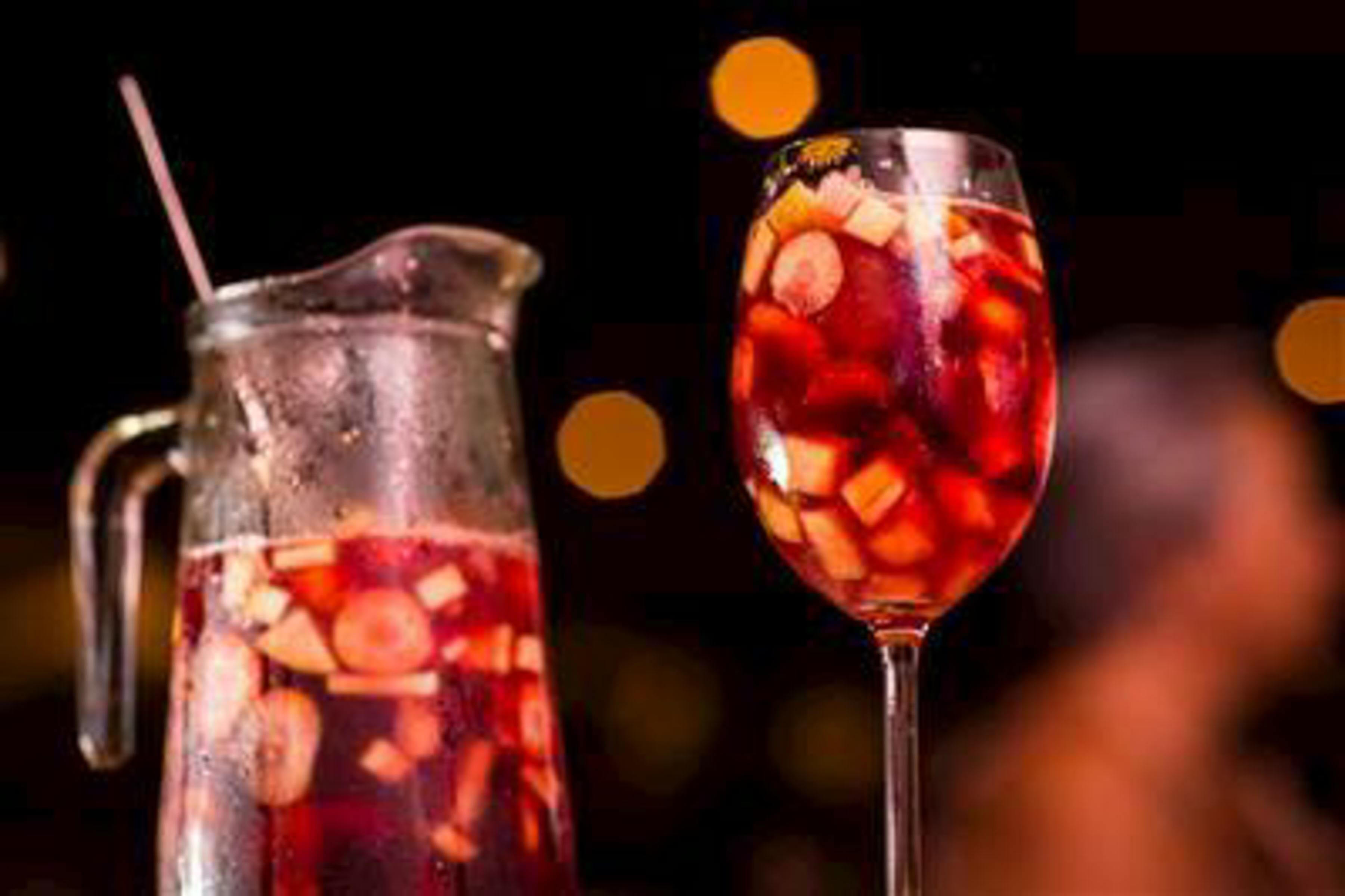 Red Sangria Recipe | RecipeSavants.com