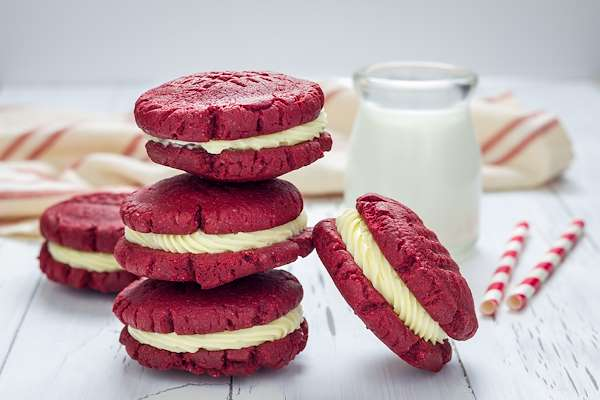 Red Velvet Cookie Sandwiches Recipe