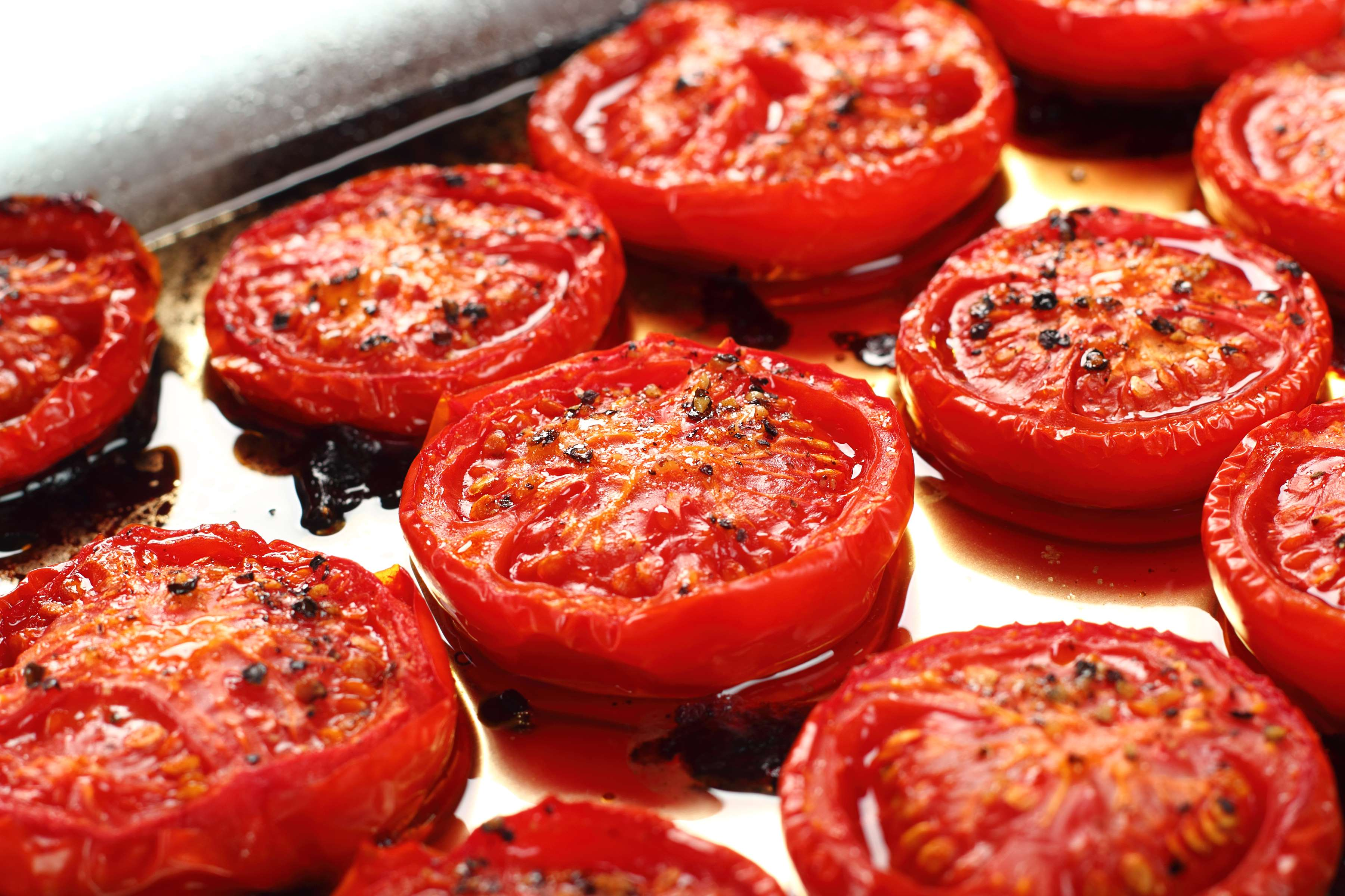 Roasted Tomatoes In Garlic Oil Recipe | RecipeSavants.com