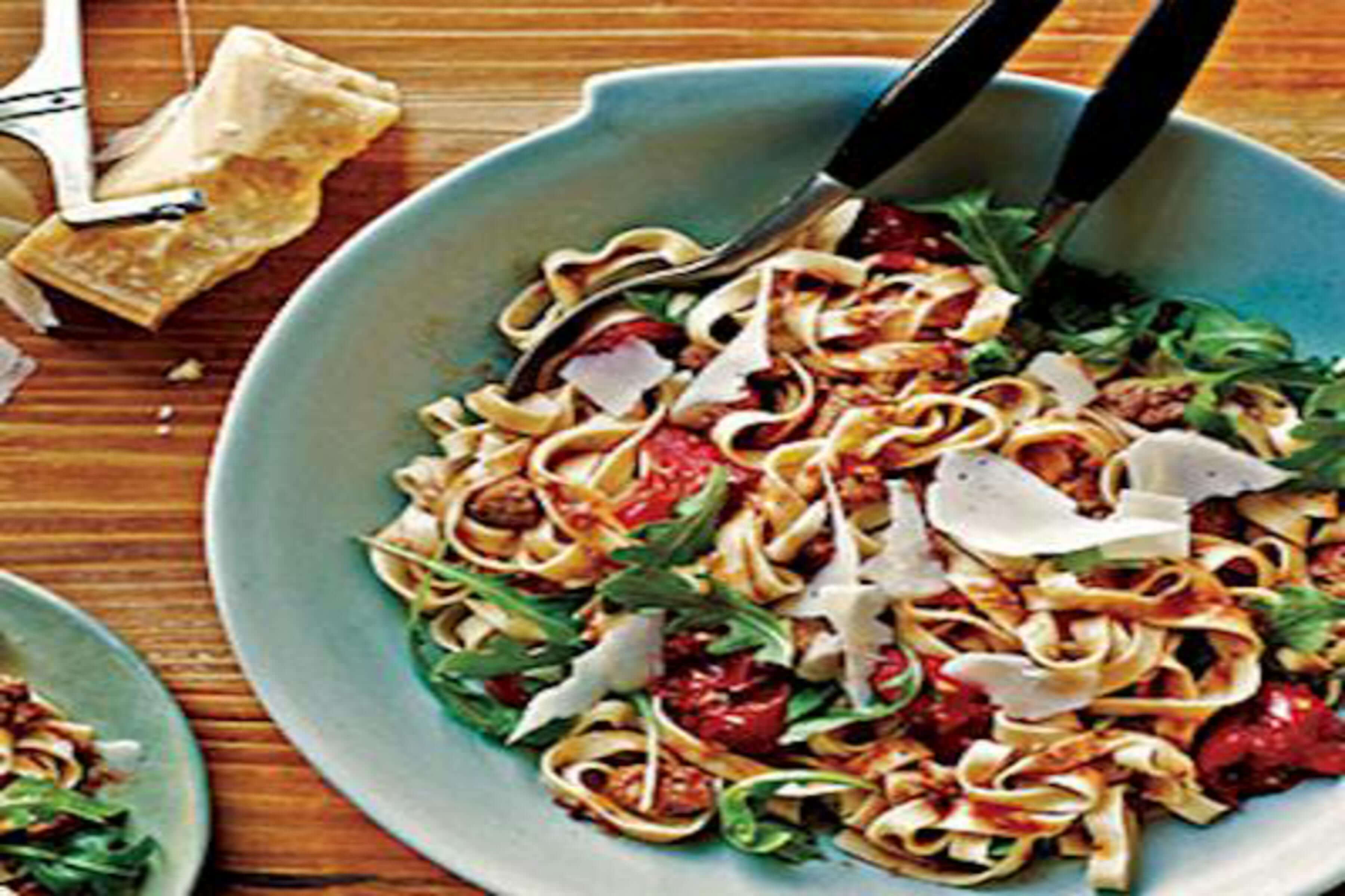 Sausage, Arugula And Romano Fettucine Recipe | RecipeSavants.com