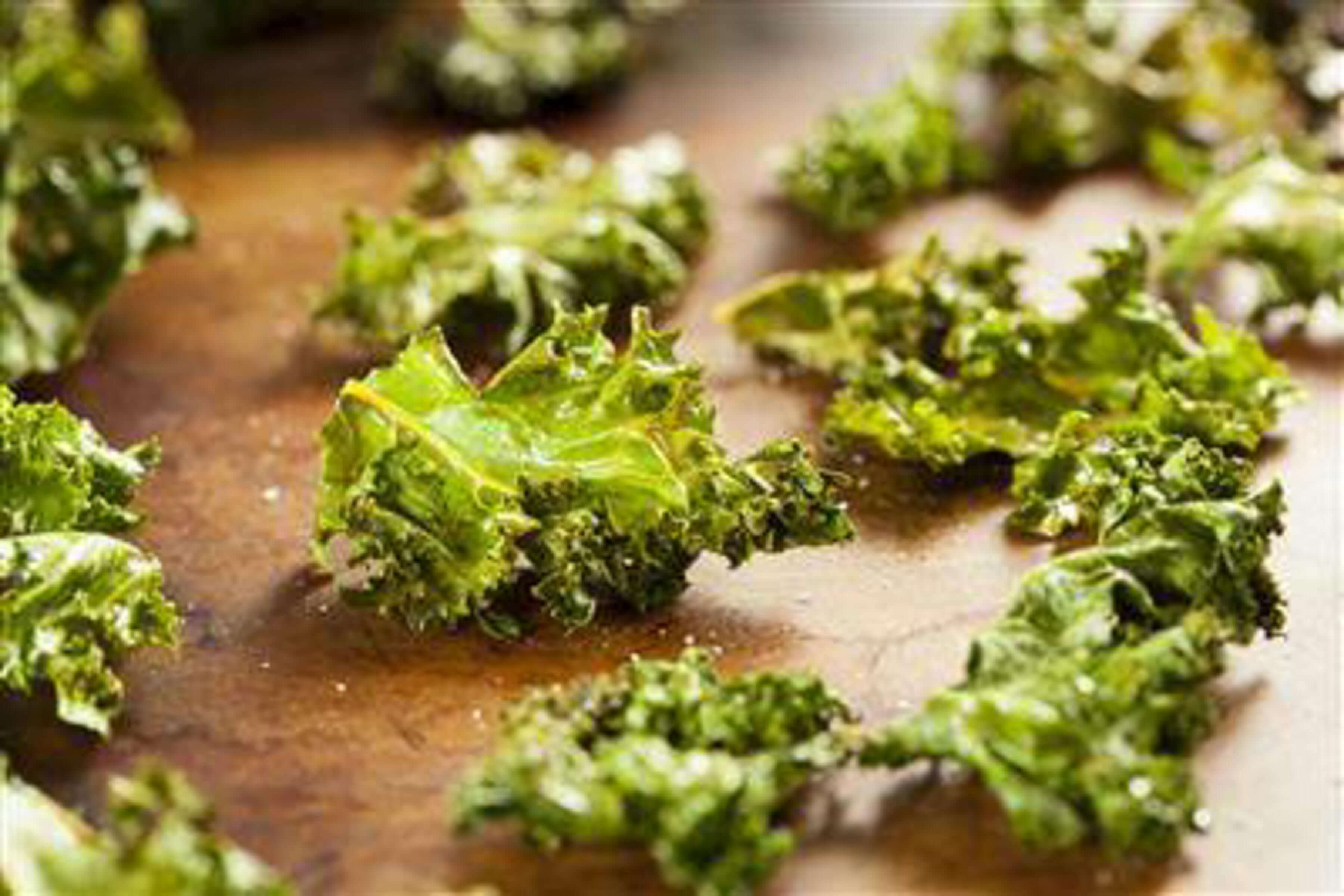 Sea Salt & Vinegar Kale Chips Recipe | RecipeSavants.com