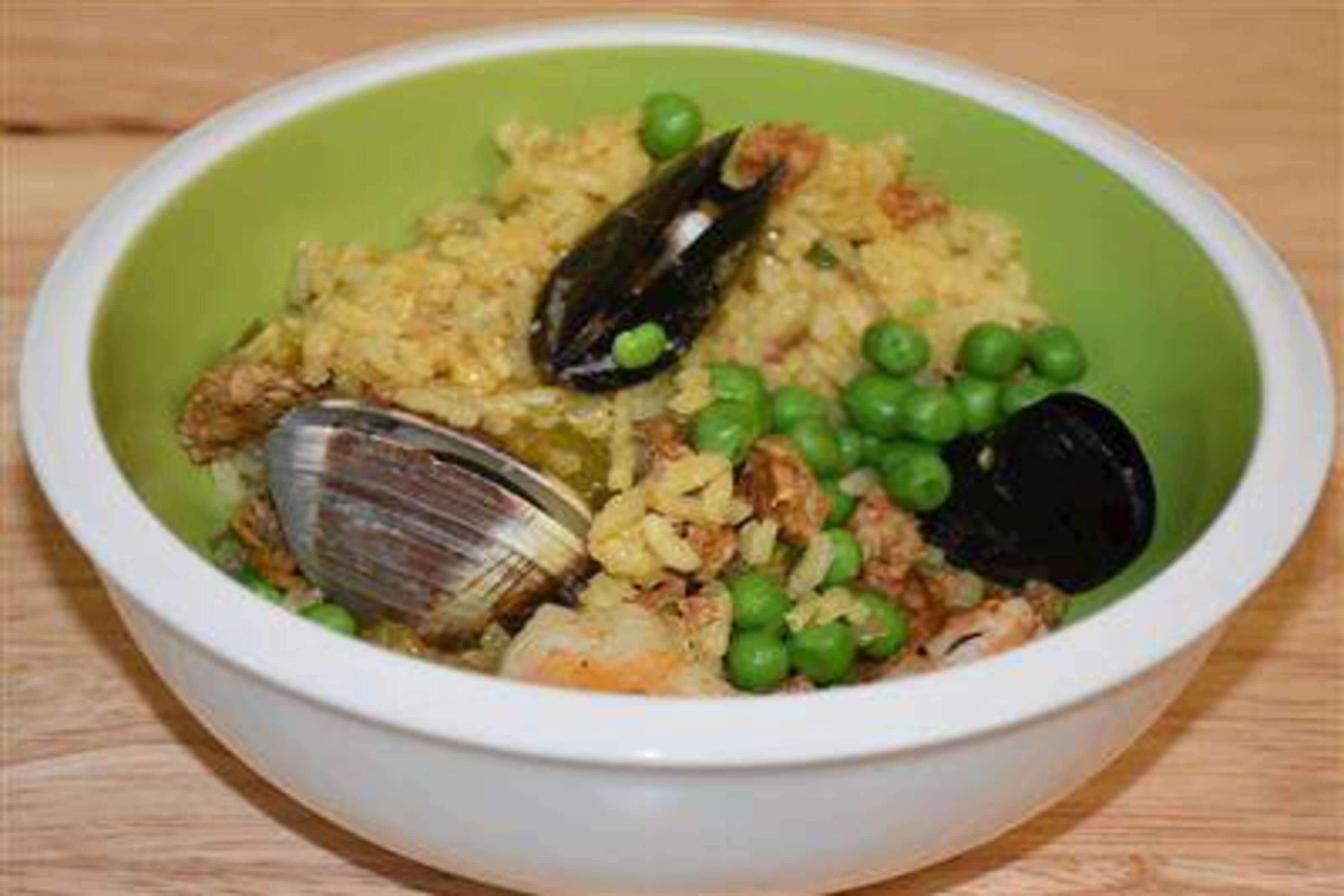 Seafood Paella Recipe | RecipeSavants.com