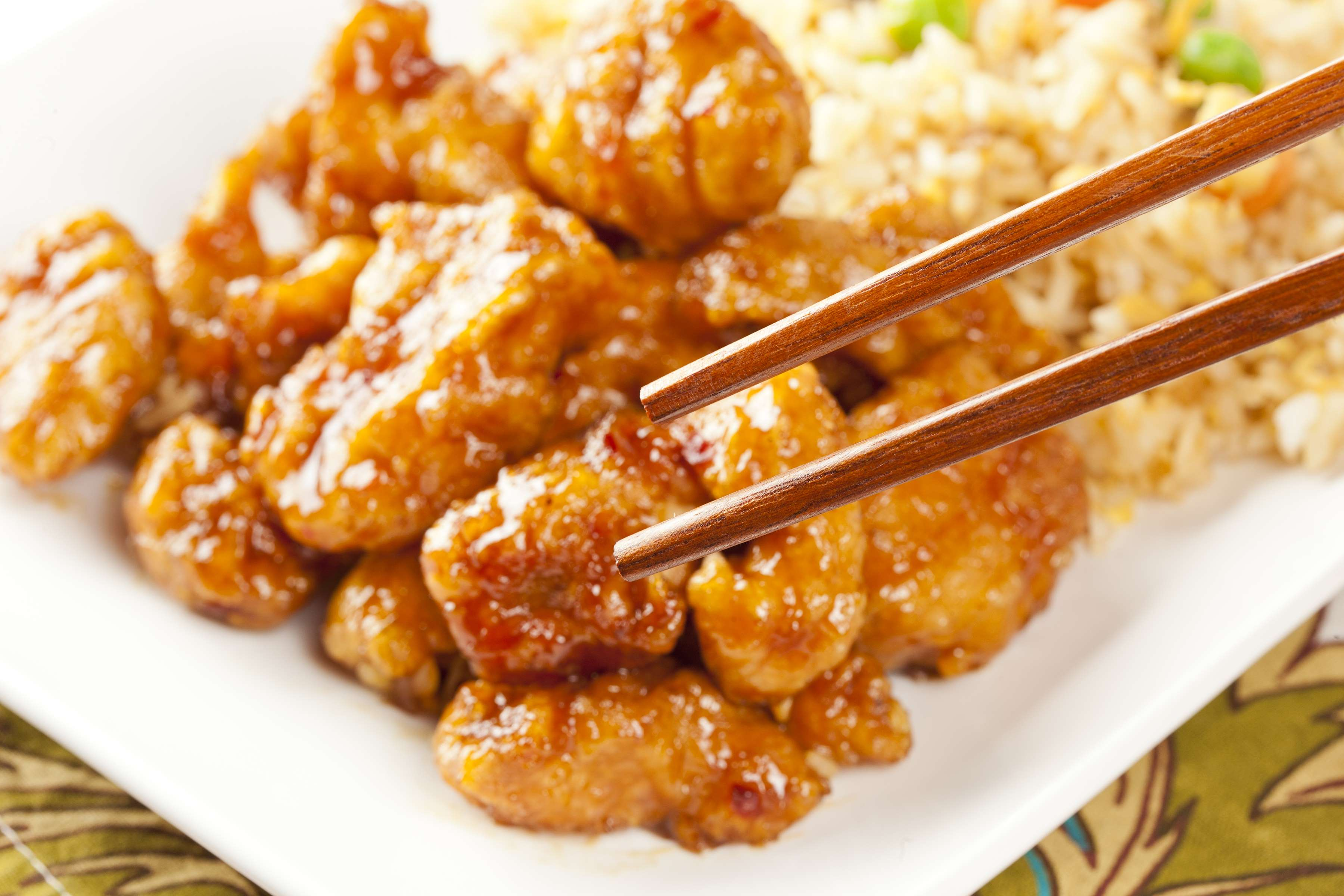 Simple Slow Cooker Orange Chicken Recipe | RecipeSavants.com