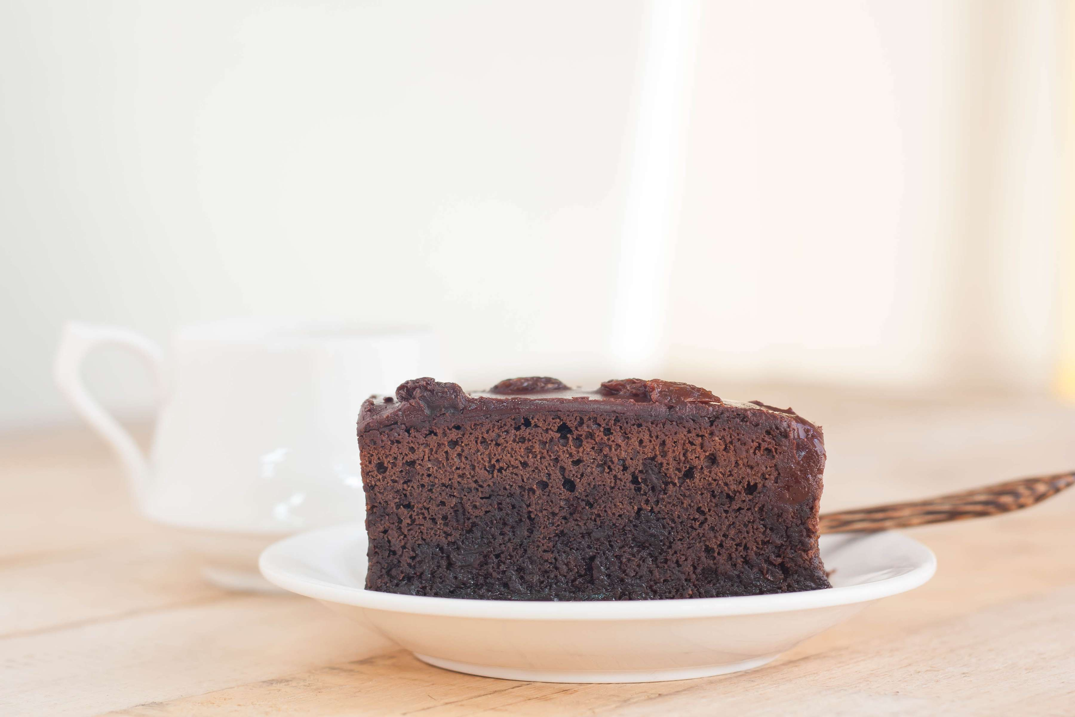 Slow And Easy Chocolate Cake Recipe