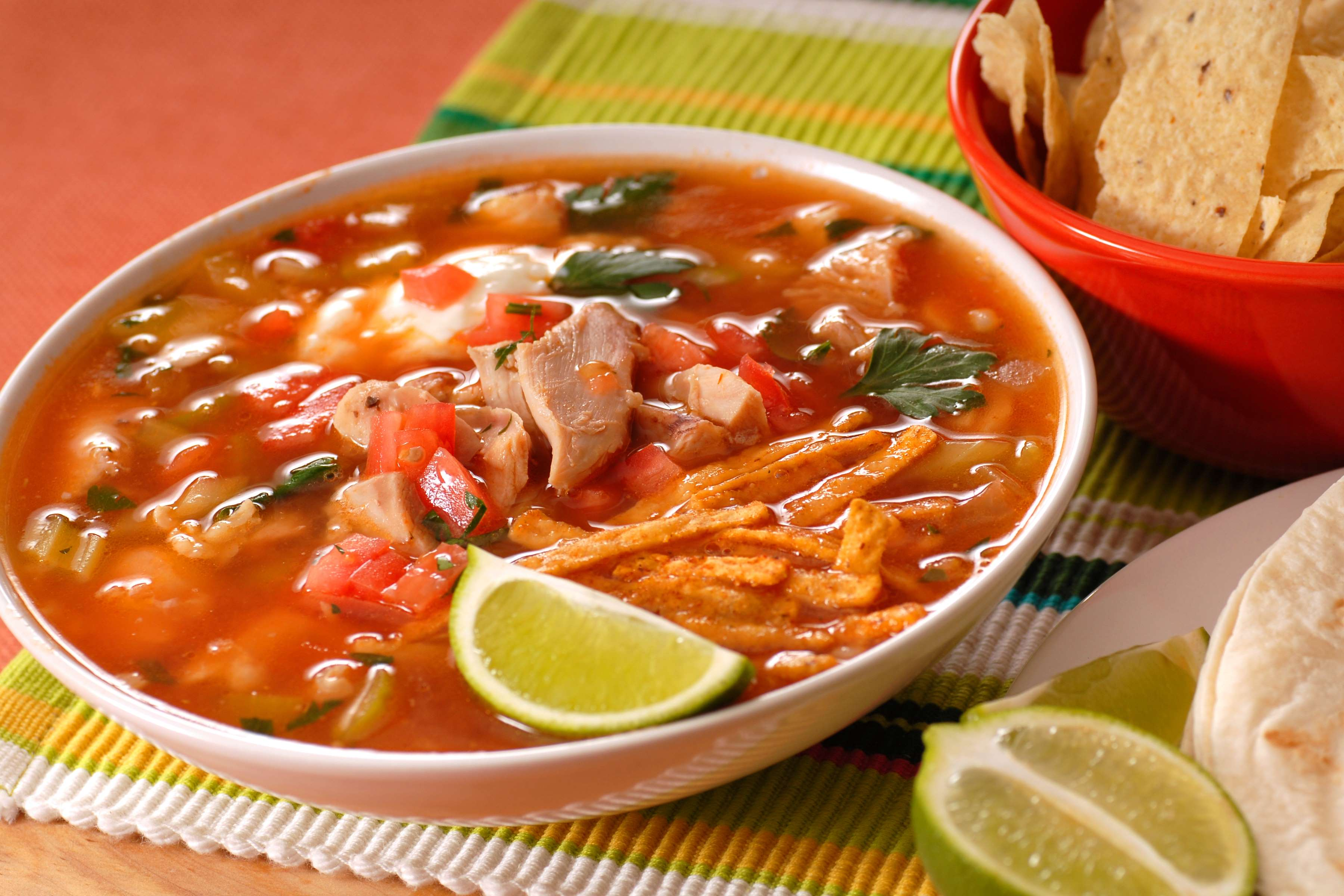 Slow Cooker Chicken Tortilla Soup Recipe | RecipeSavants.com