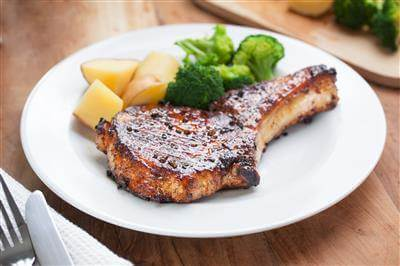 Recipe Savants - Smothered Pork Chops With Veggies