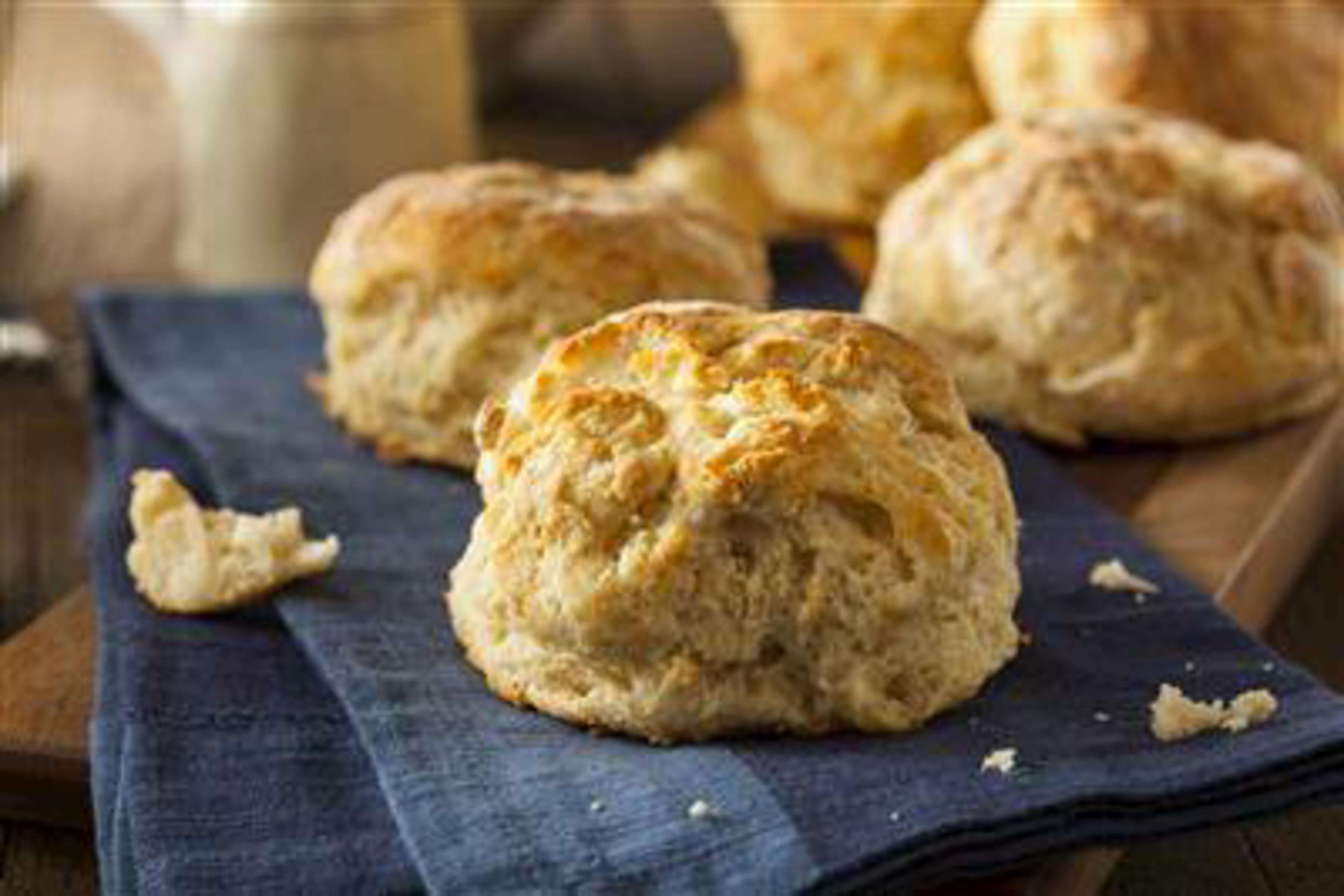Southern Buttermilk Biscuits Recipe | RecipeSavants.com