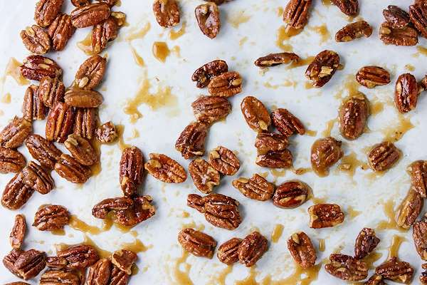 RecipeSavants - Spicy Caramel Pecans
