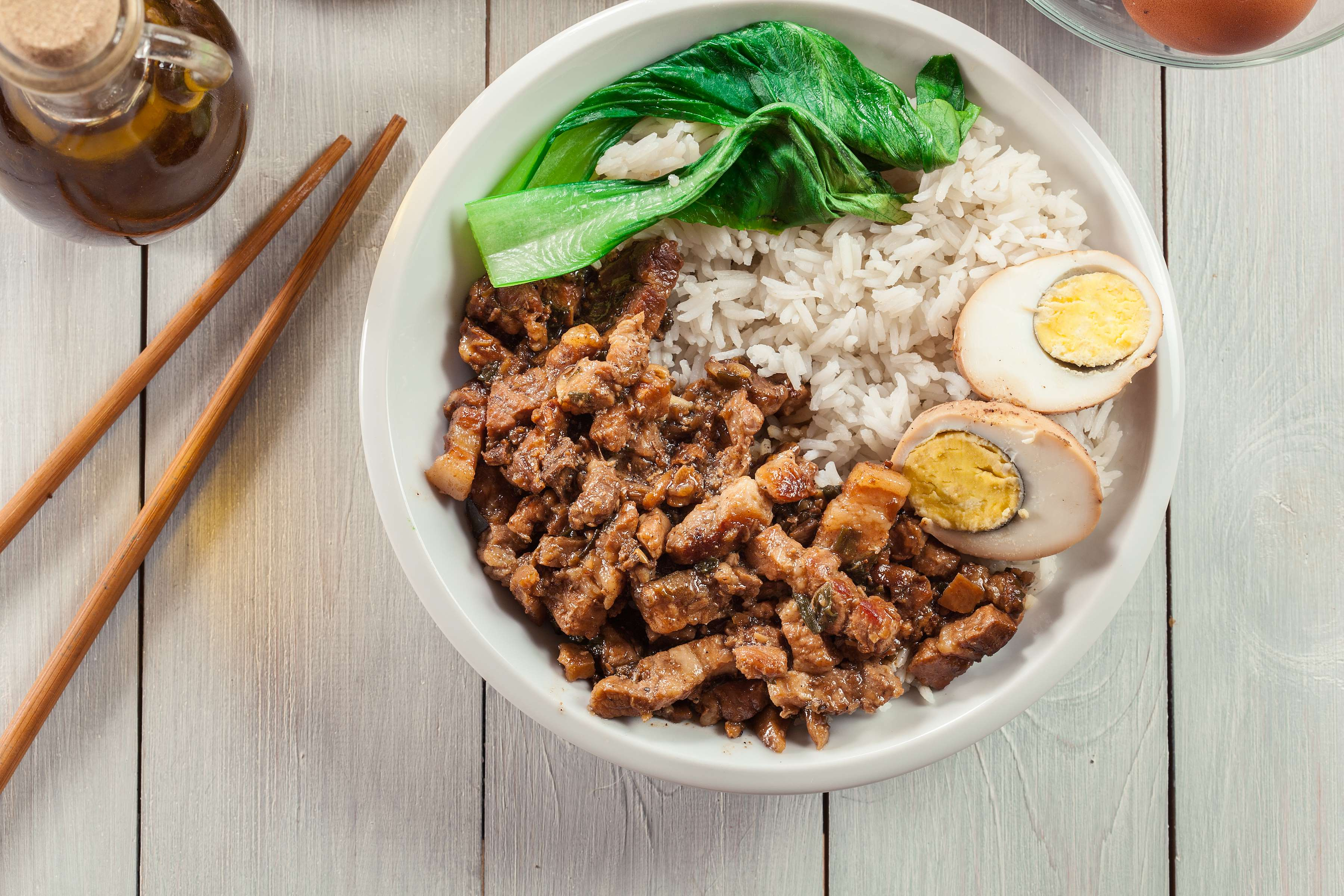 Spicy Korean Pork Bowl Recipe | RecipeSavants.com