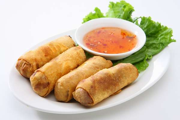 RecipeSavants - Spring Rolls With Dipping Sauce