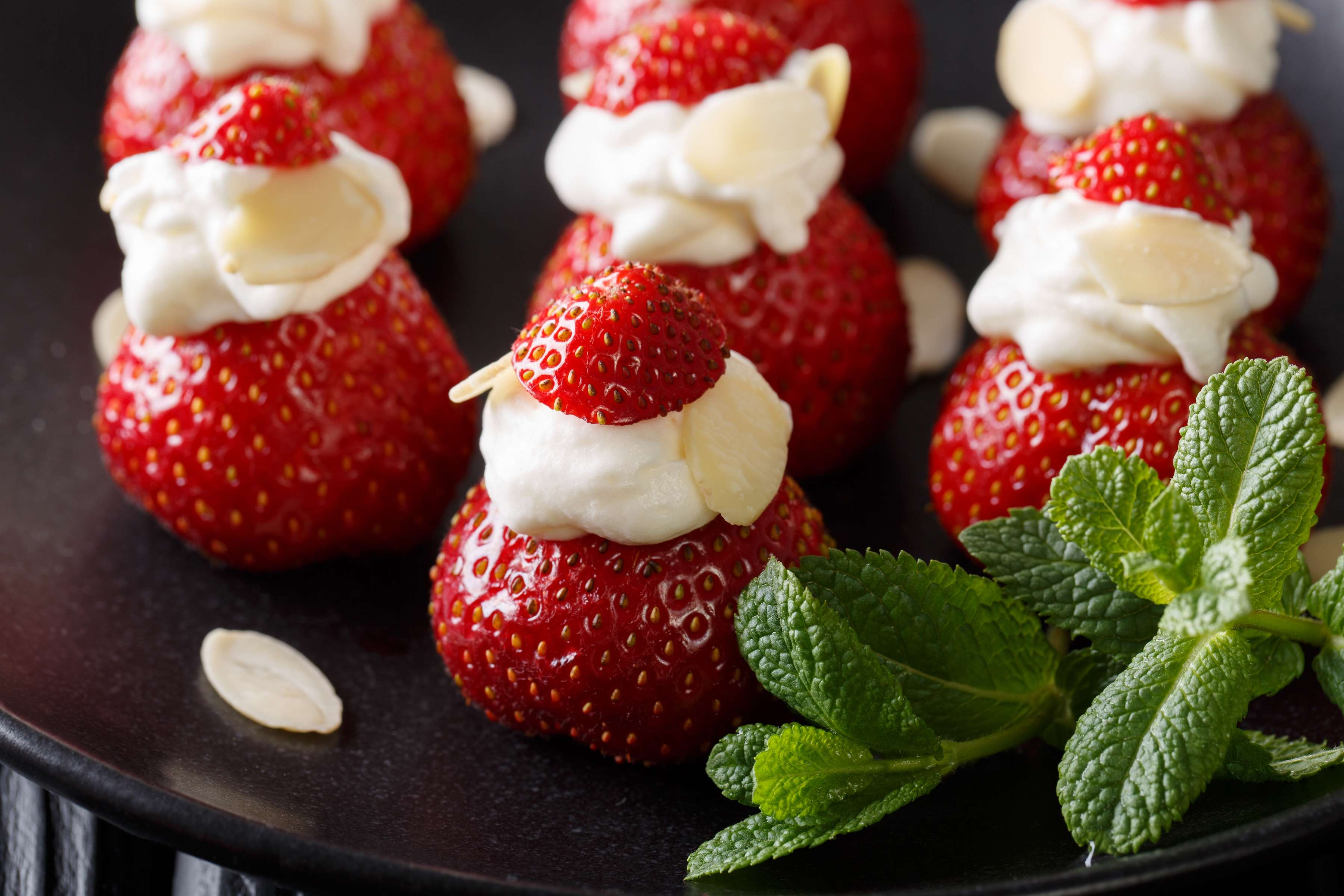 Cream Cheese Stuffed Strawberries Recipe | RecipeSavants.com