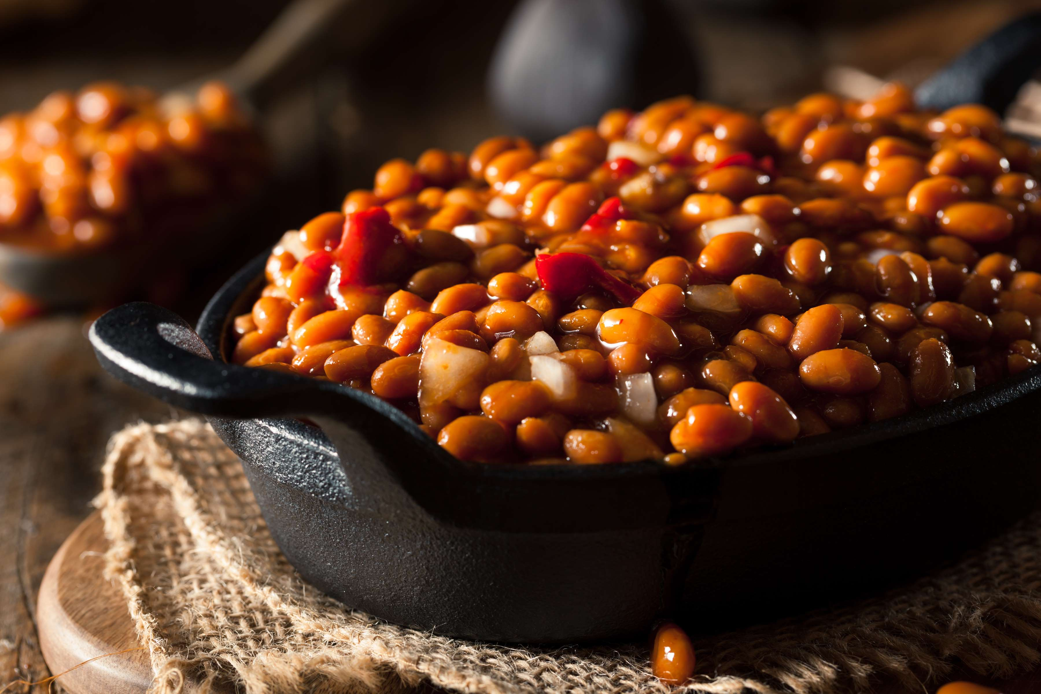 Sweet and Smoky Baked Beans Recipe | CHEFBear.net