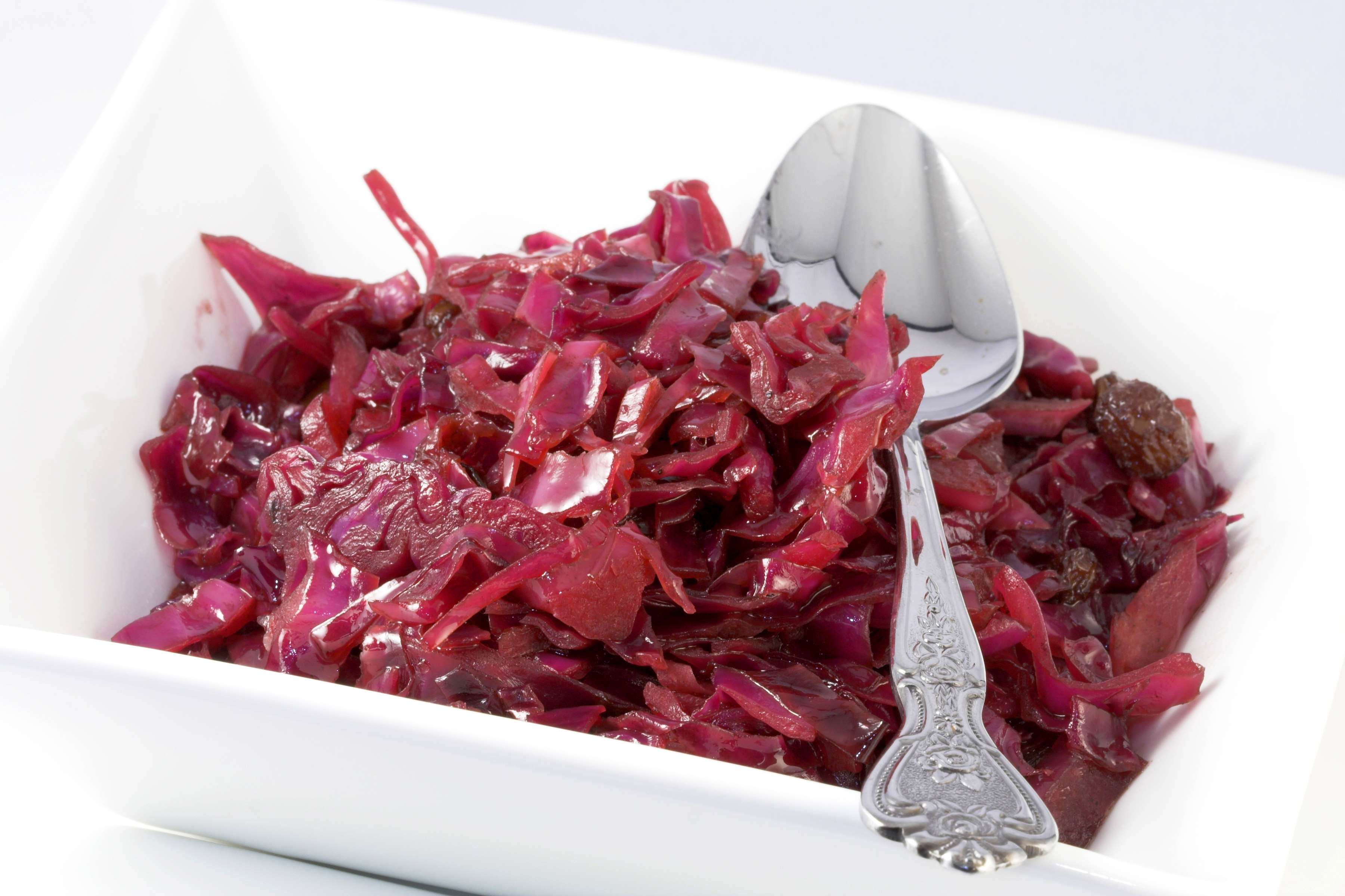 Sweet & Sour Red Cabbage Recipe | RecipeSavants.com
