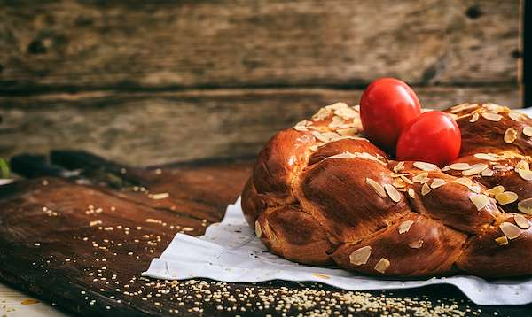 RecipeSavants - Tsoureki: A Greek Easter Bread