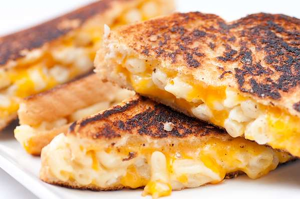 RecipeSavants - Ultimate Cheesy Mac Panini