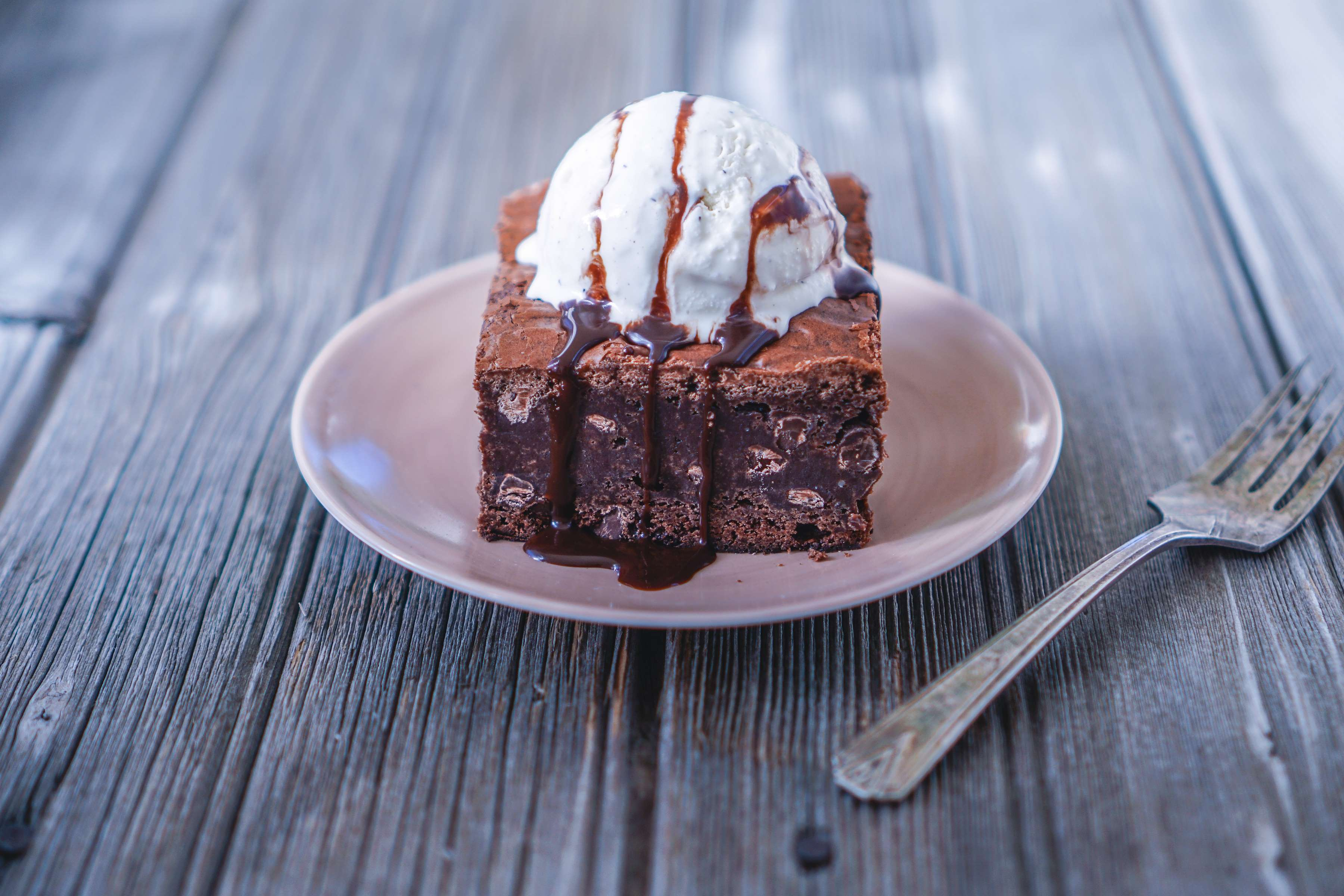 Vanilla Brownies Recipe | RecipeSavants.com
